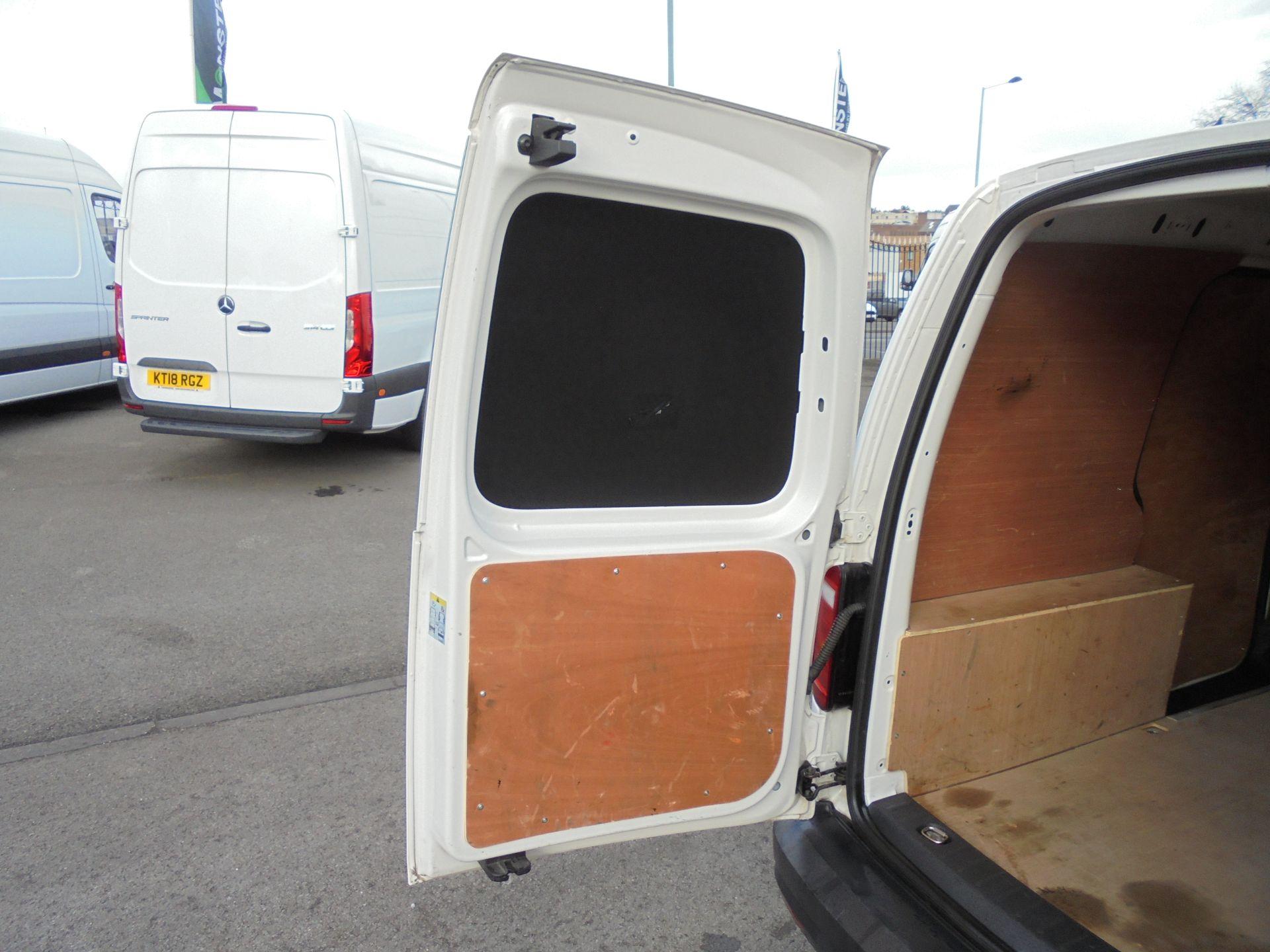 2016 Volkswagen Caddy 2.0 Tdi Bluemotion Tech 102Ps Startline Van (GJ66EUK) Image 32