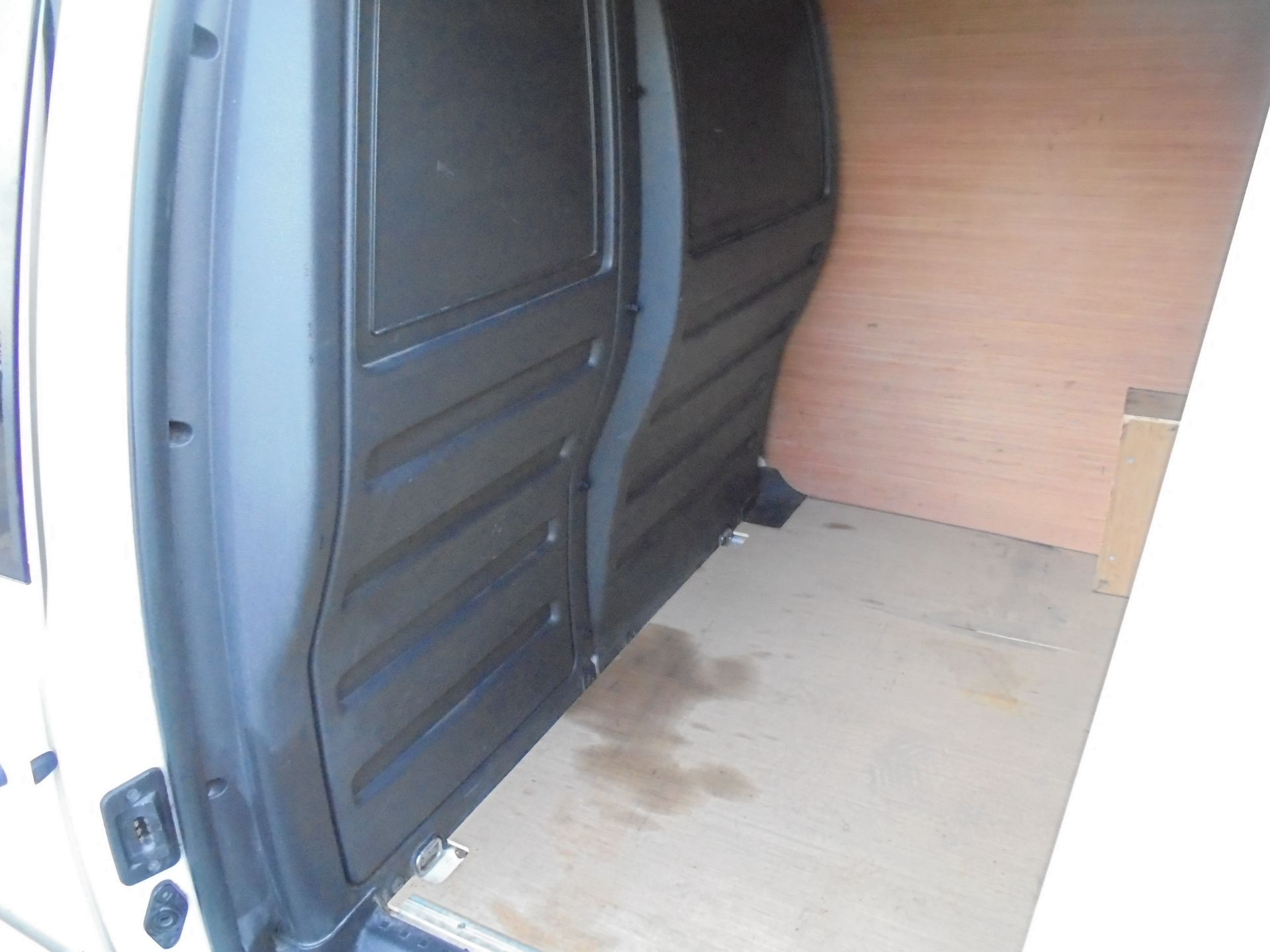2016 Volkswagen Caddy 2.0 Tdi Bluemotion Tech 102Ps Startline Van (GJ66EUK) Image 25