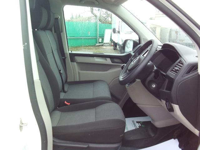 2016 Volkswagen Transporter  T28 SWB DIESEL 2.0TDI BMT 84 STARTLINE EURO 5/6 (GJ66EXC) Image 5
