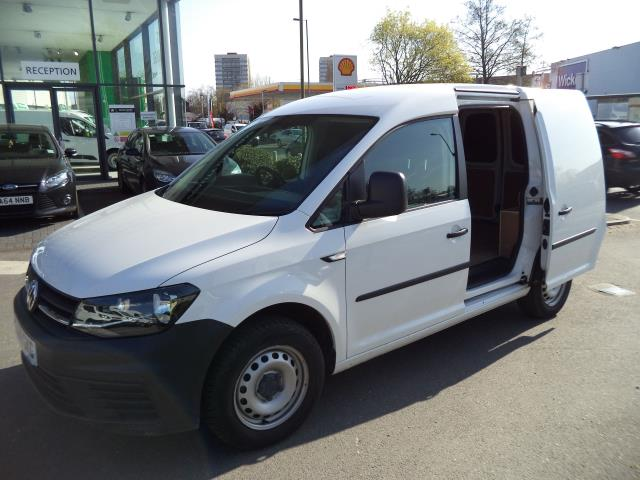 2016 Volkswagen Caddy  L1 H1 2.0TDi 102ps BLUEMOTION TECH STARTLINE VAN EURO 6 (GJ66GKG) Image 8