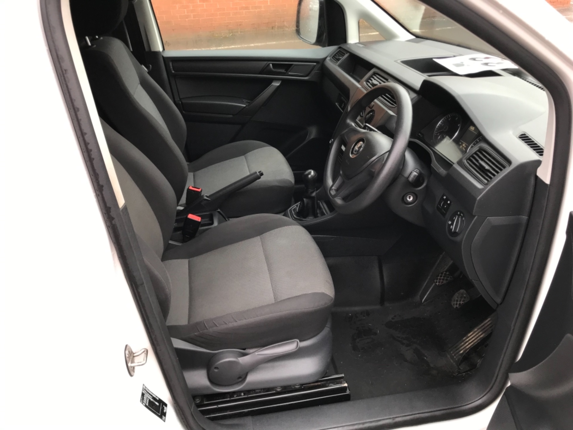 2016 Volkswagen Caddy  2.0 75ps BLUEMOTION TECH STARTLINE EURO 6 (GJ66MXG) Image 9