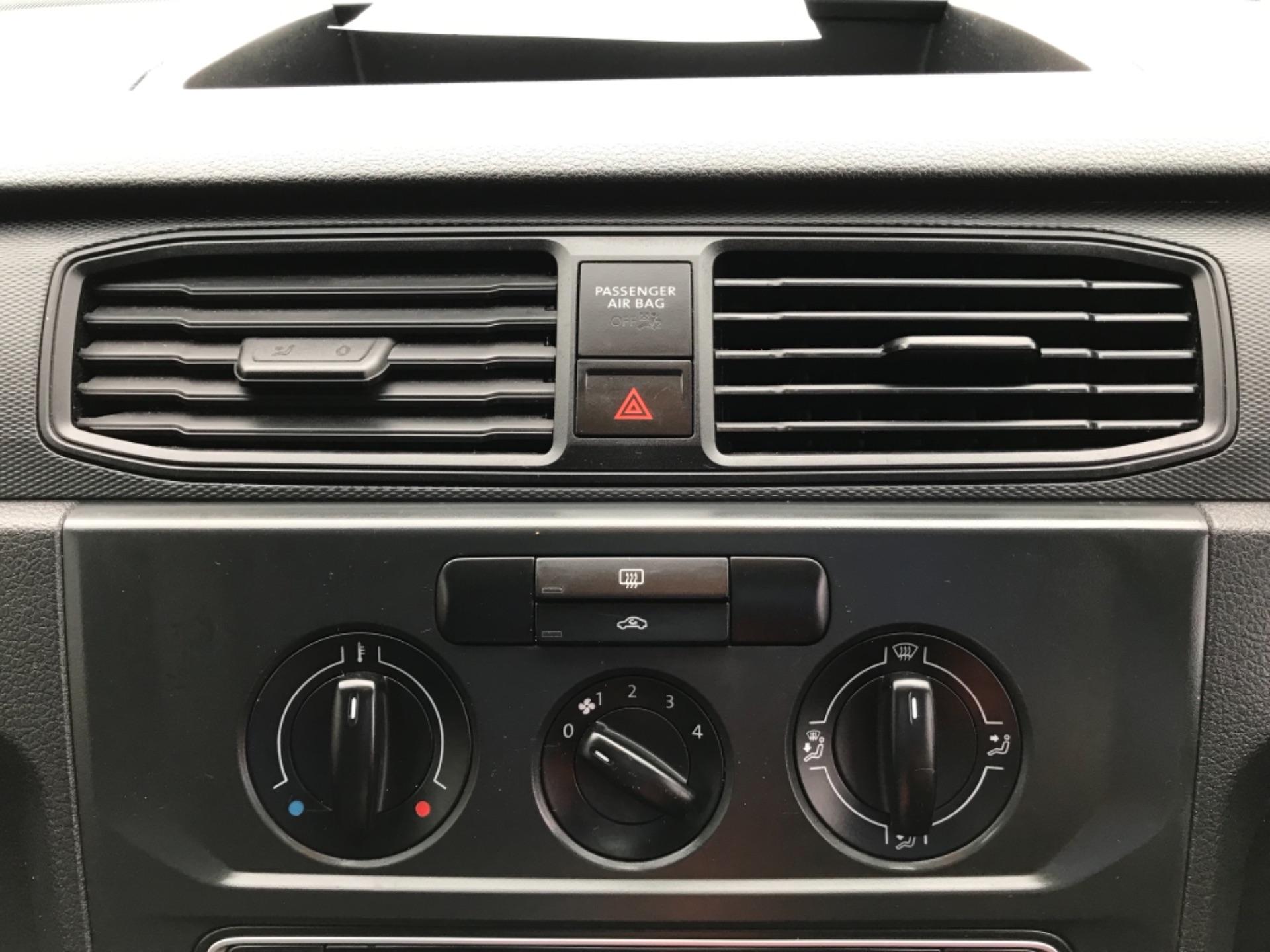 2016 Volkswagen Caddy  2.0 75ps BLUEMOTION TECH STARTLINE EURO 6 (GJ66MXG) Image 19