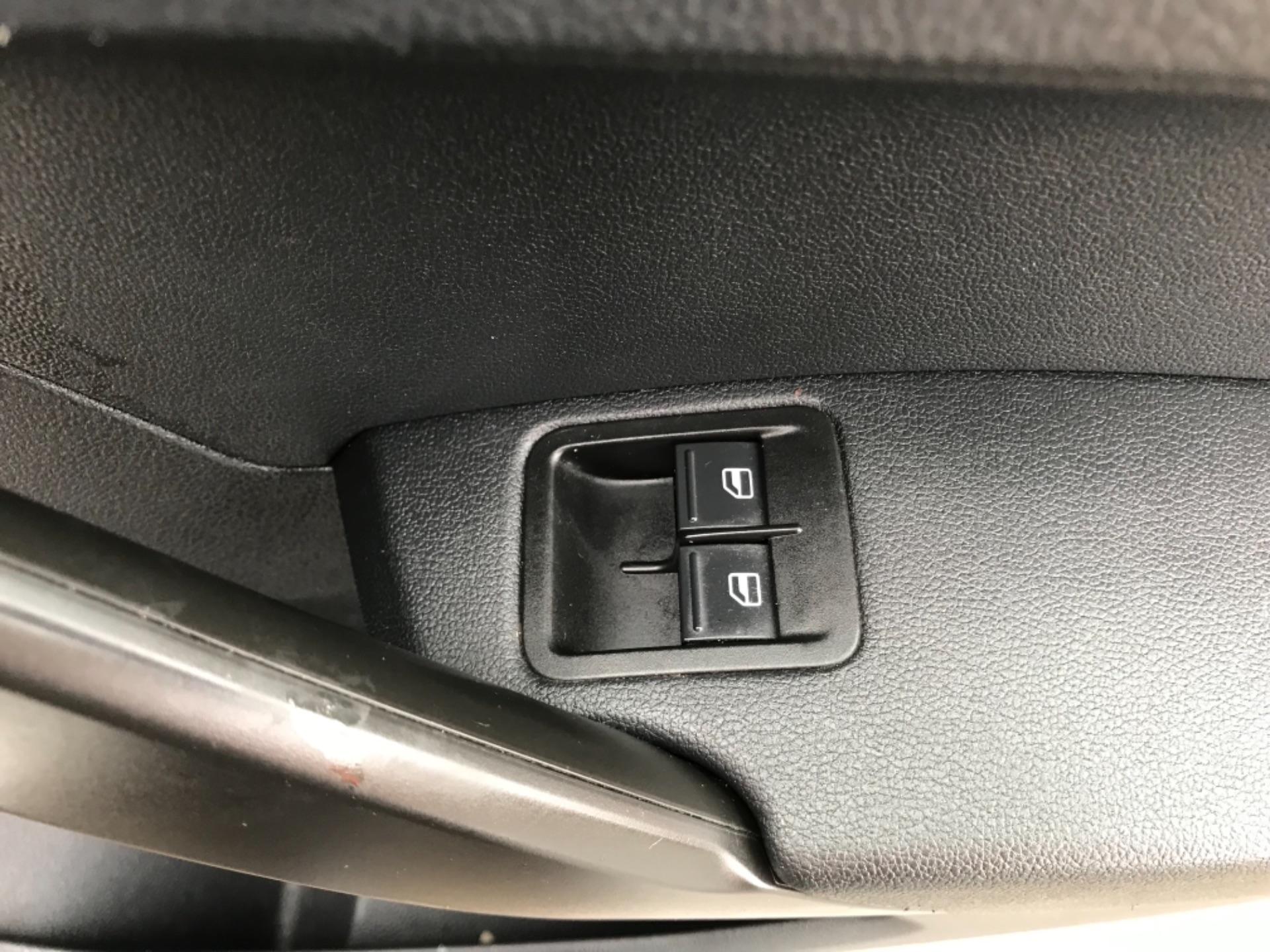 2016 Volkswagen Caddy  2.0 75ps BLUEMOTION TECH STARTLINE EURO 6 (GJ66MXG) Image 14