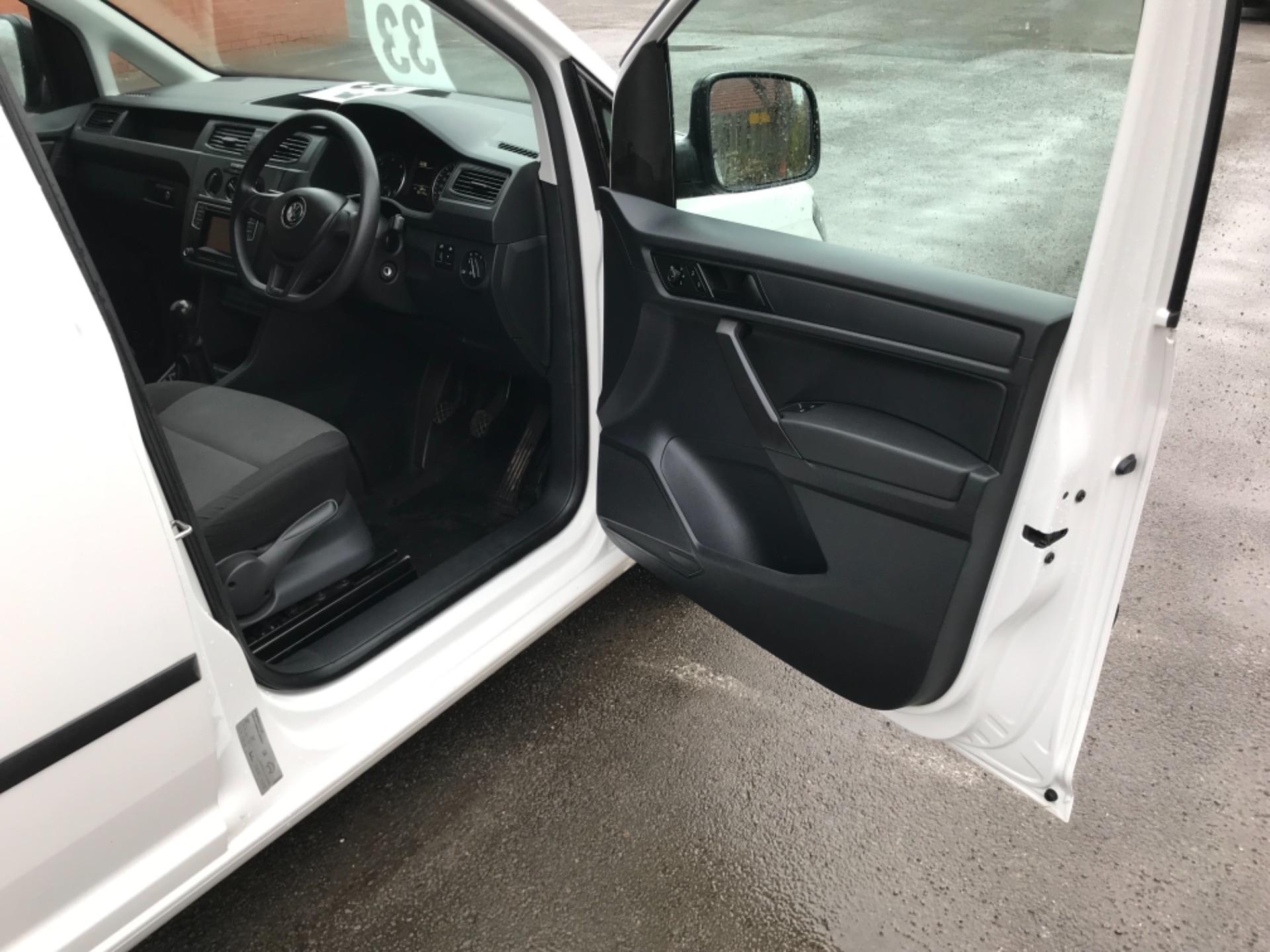 2016 Volkswagen Caddy  2.0 75ps BLUEMOTION TECH STARTLINE EURO 6 (GJ66MXG) Image 11