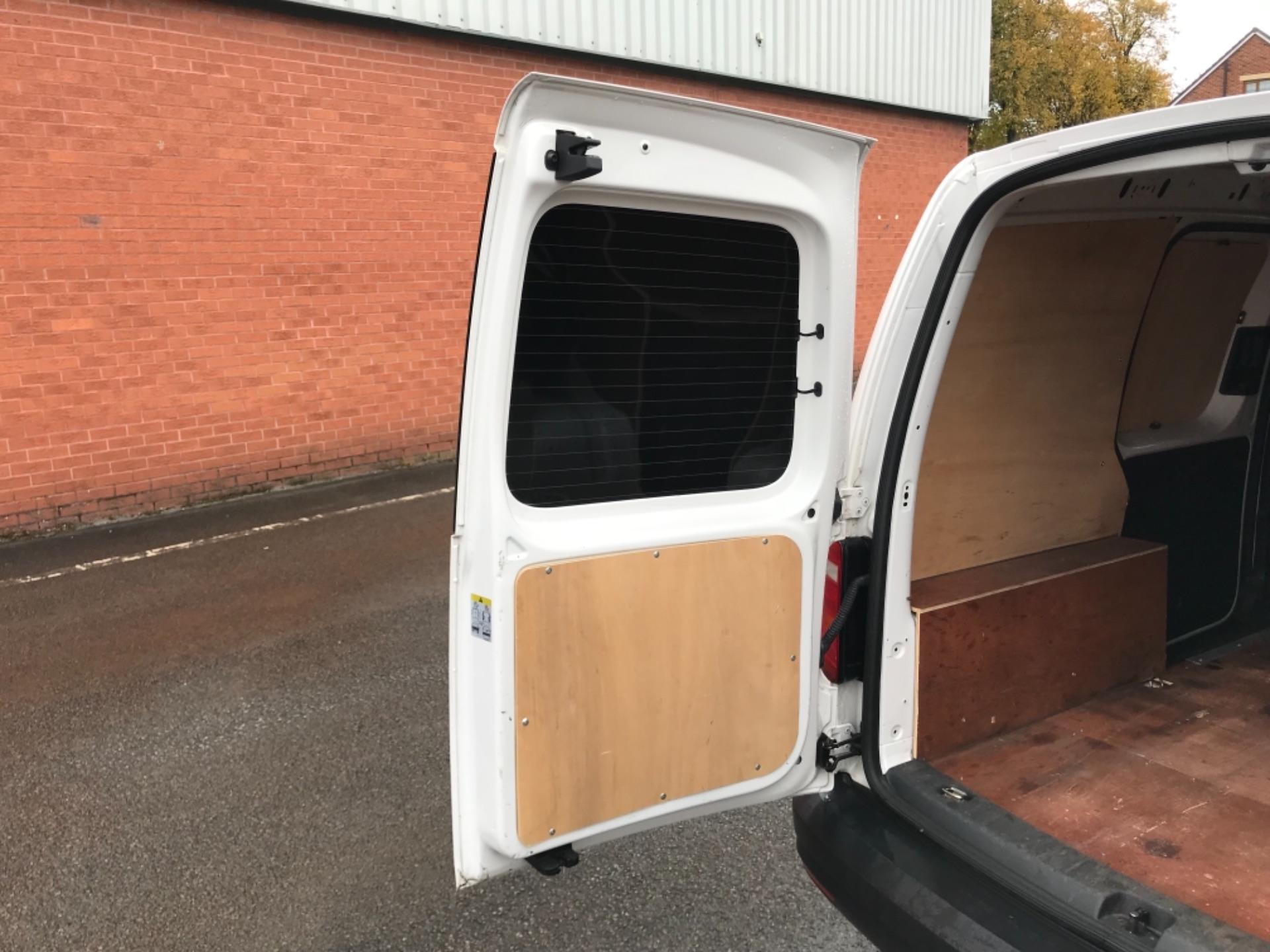2016 Volkswagen Caddy  2.0 75ps BLUEMOTION TECH STARTLINE EURO 6 (GJ66MXG) Image 34