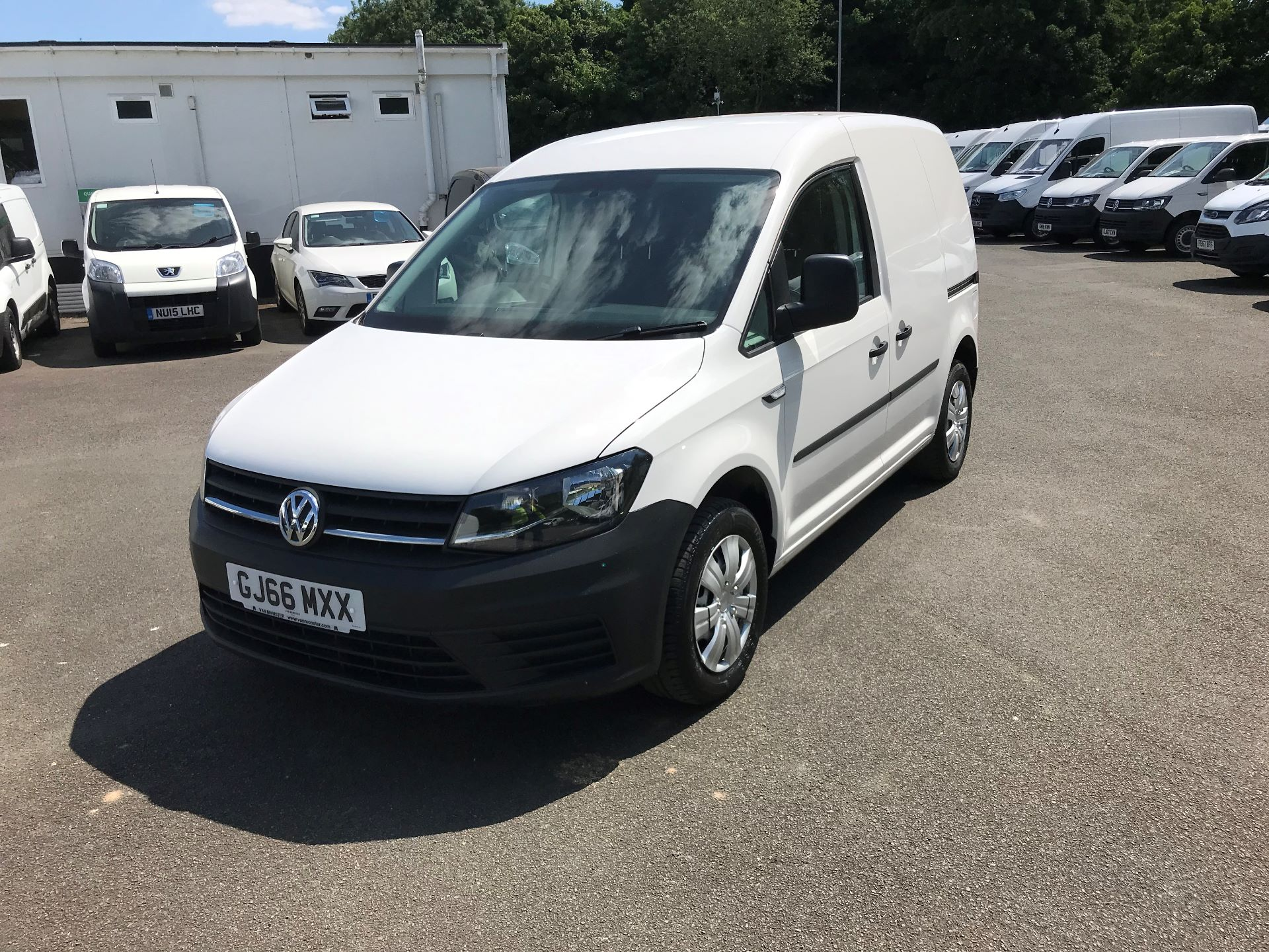 2016 Volkswagen Caddy  2.0 75ps BLUEMOTION TECH STARTLINE EURO 6 (GJ66MXX) Thumbnail 3
