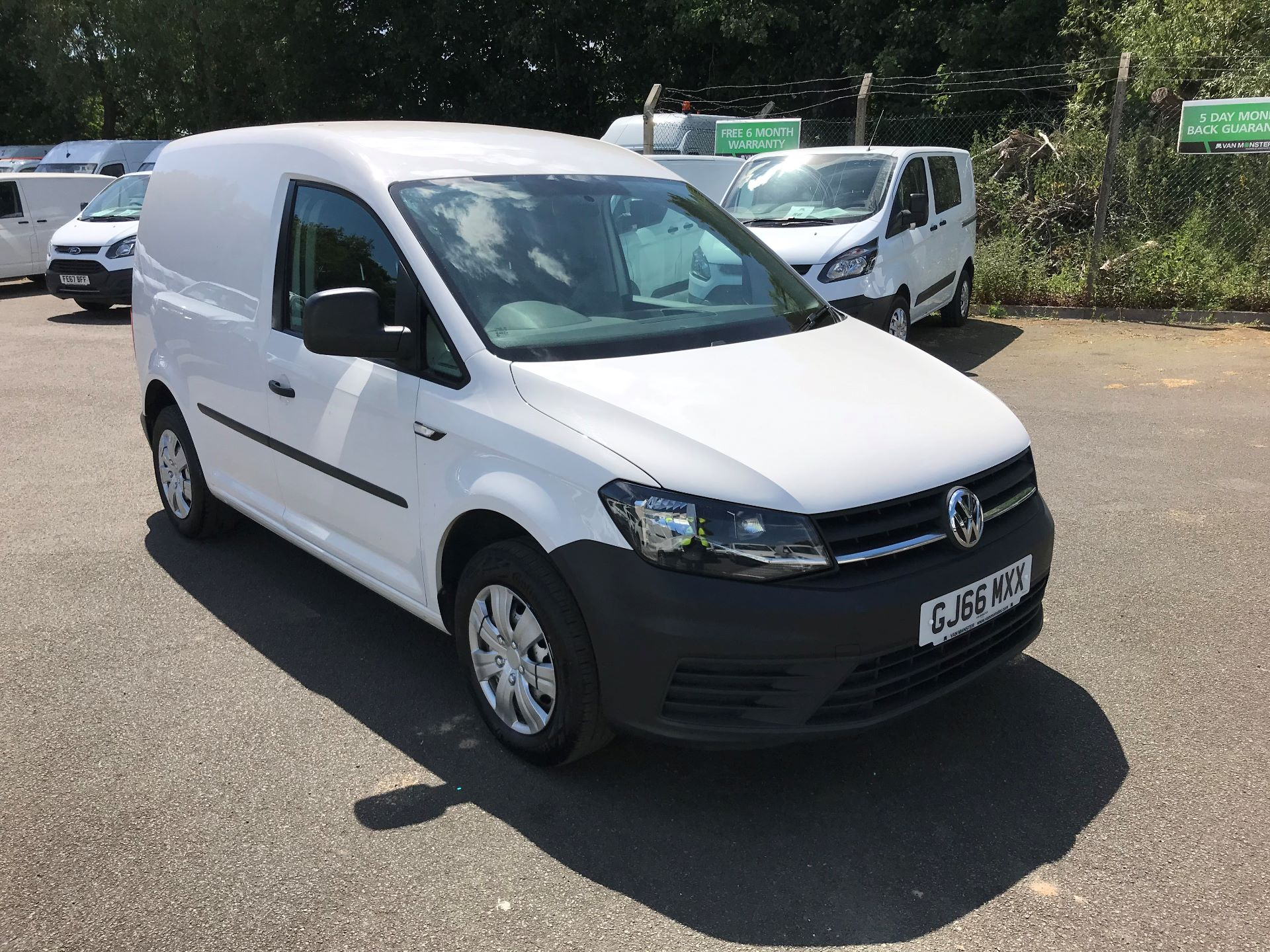 2016 Volkswagen Caddy  2.0 75ps BLUEMOTION TECH STARTLINE EURO 6 (GJ66MXX) Image 1