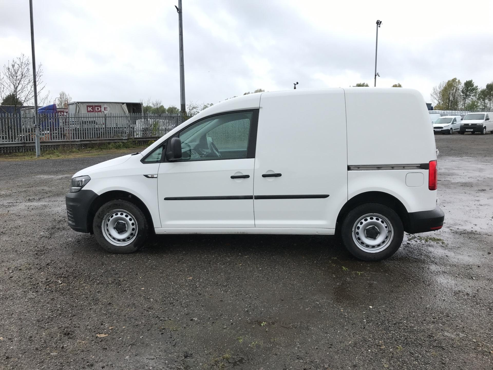2016 Volkswagen Caddy  2.0 102PS BLUEMOTION TECH 102 STARTLINE EURO 6 (GJ66OUY) Image 6