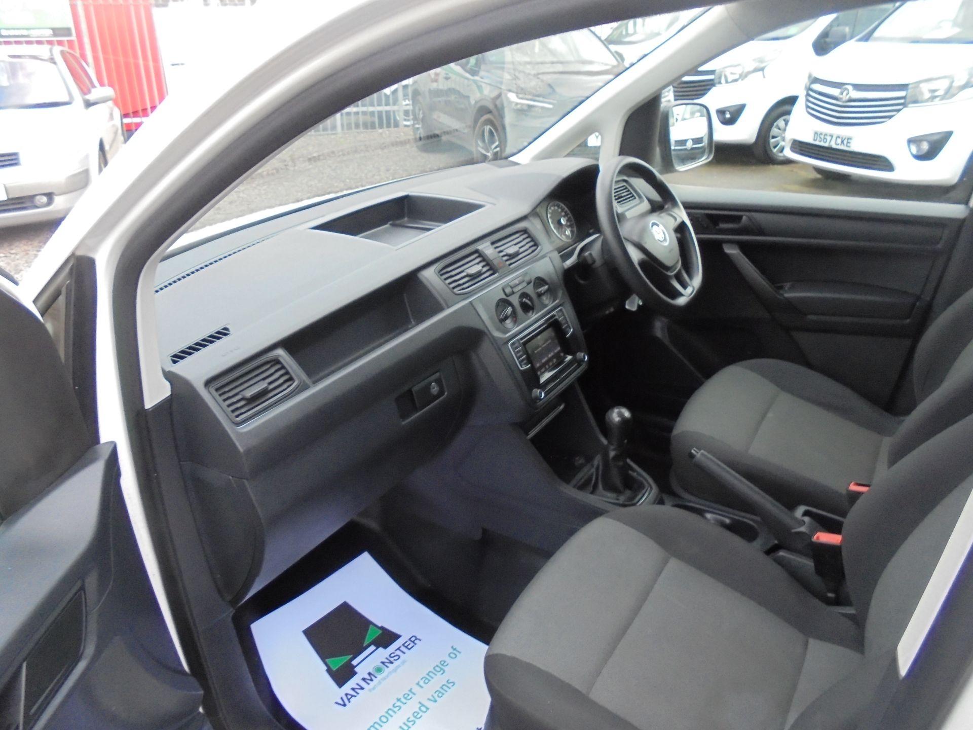 2016 Volkswagen Caddy  1.6 75PS STARTLINE EURO 5 (GJ66TXF) Image 16