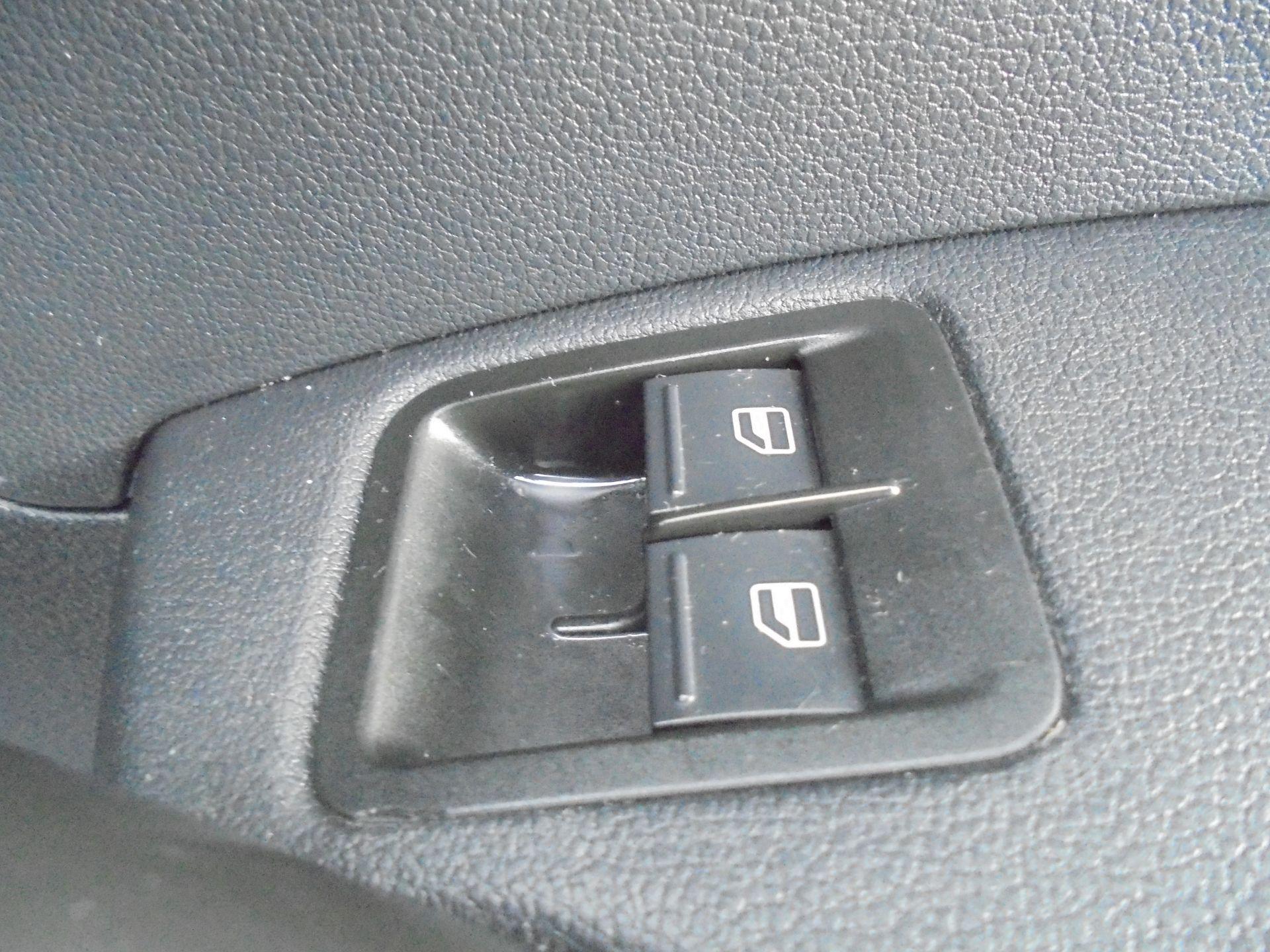 2016 Volkswagen Caddy  1.6 75PS STARTLINE EURO 5 (GJ66TXF) Image 19