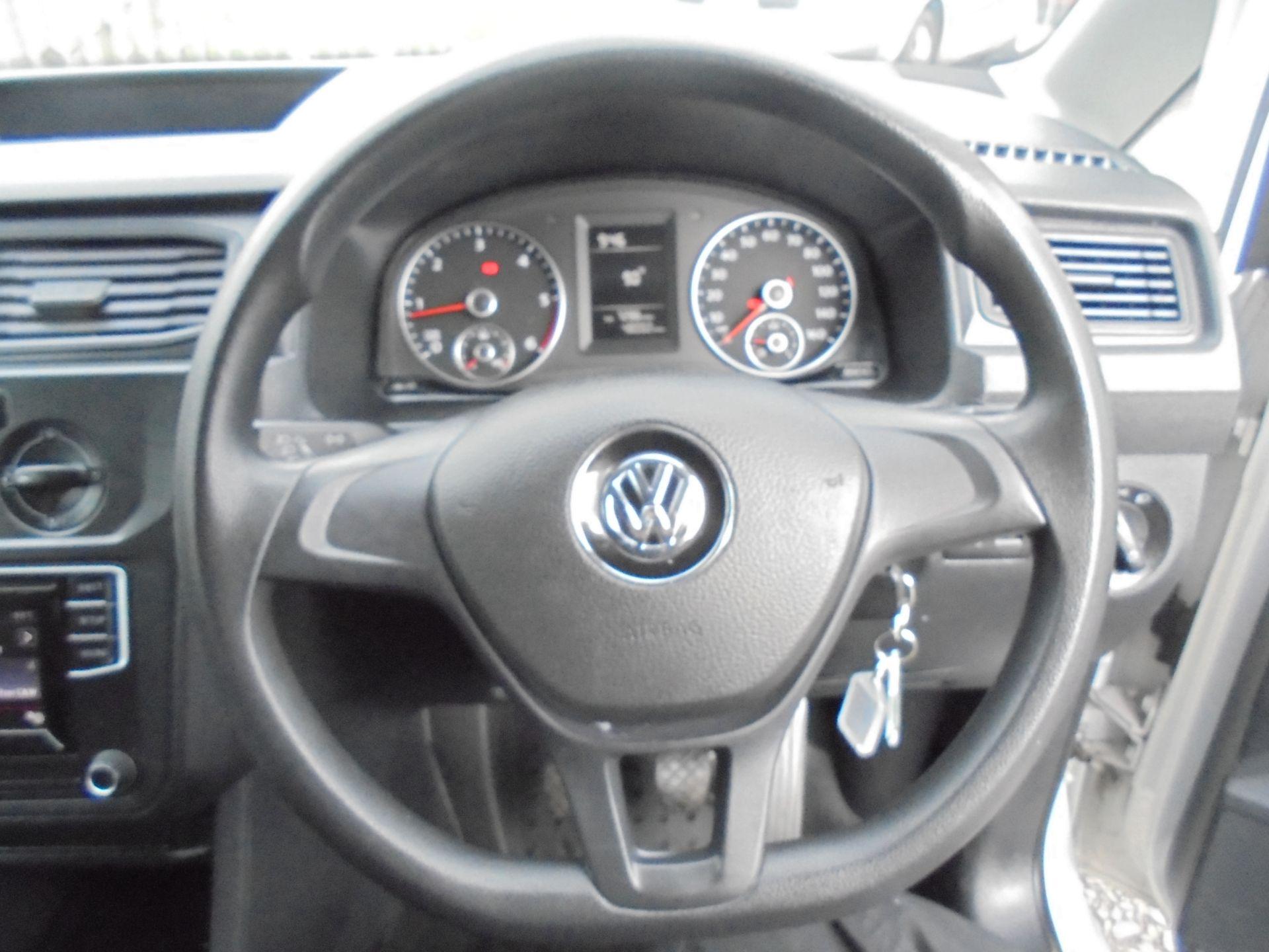 2016 Volkswagen Caddy  1.6 75PS STARTLINE EURO 5 (GJ66TXF) Image 13