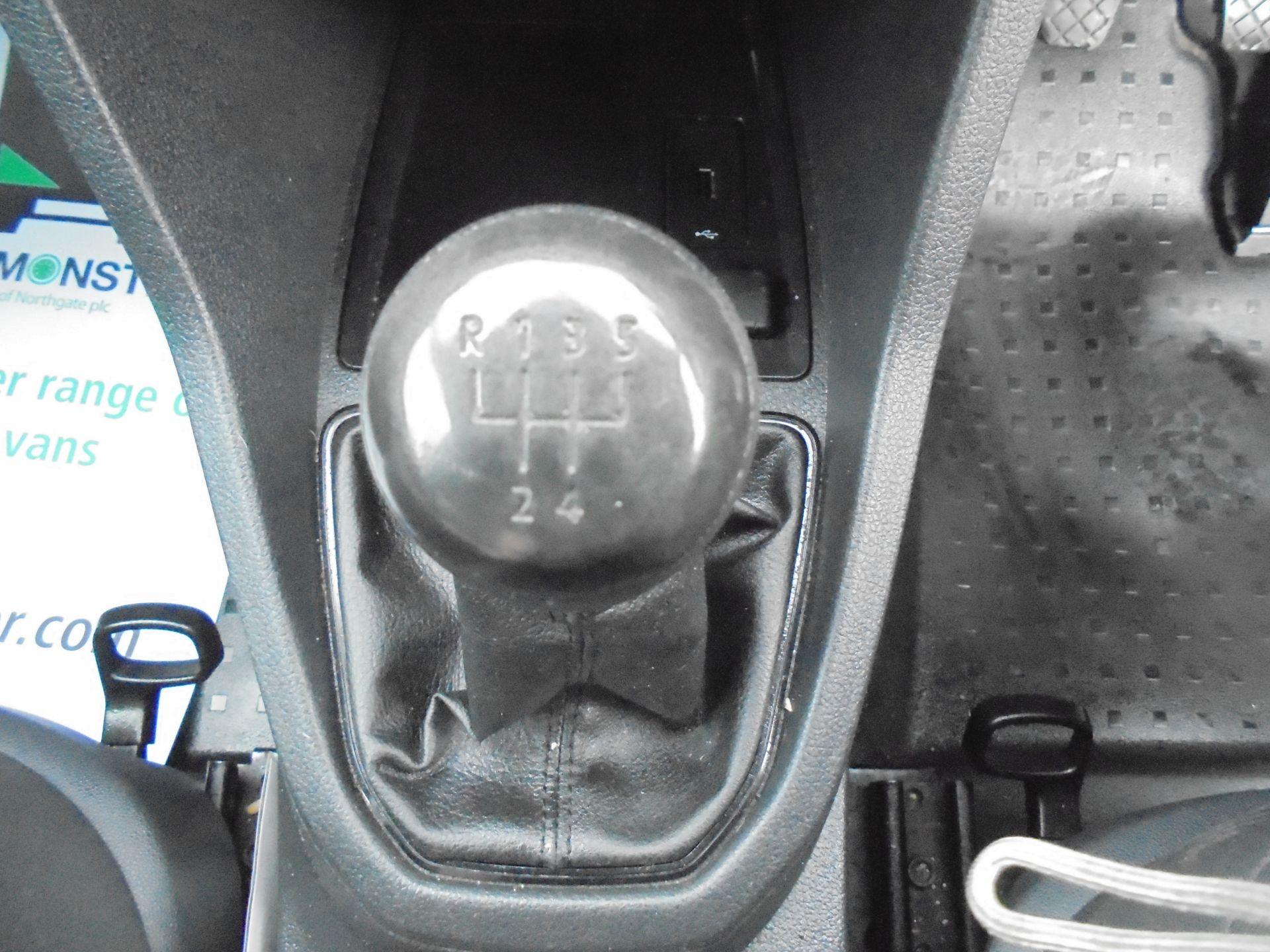 2016 Volkswagen Caddy  1.6 75PS STARTLINE EURO 5 (GJ66TXF) Image 15
