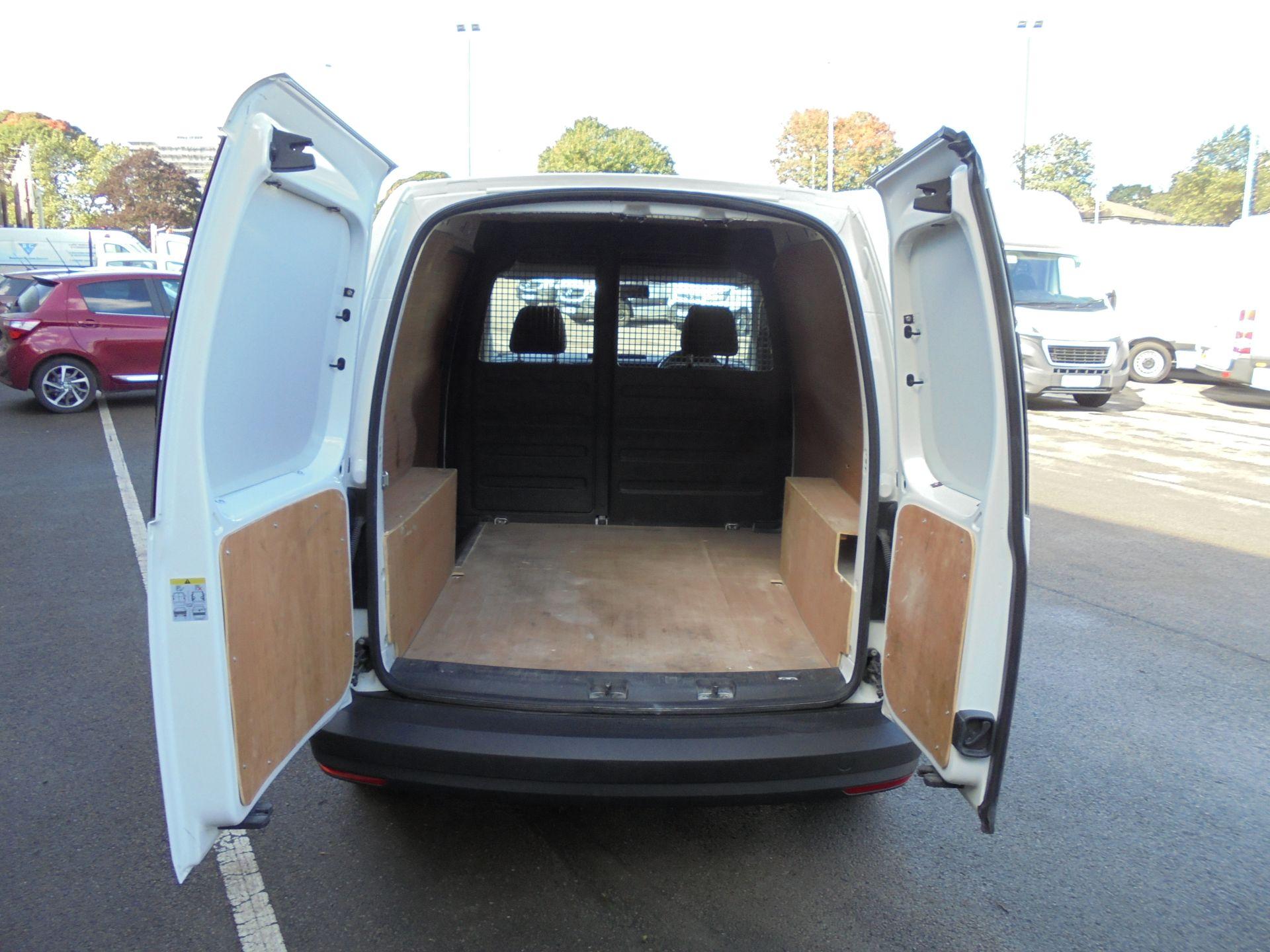 2017 Volkswagen Caddy 2.0 Tdi Bluemotion Tech 102Ps Startline Van (GJ67AOO) Image 27