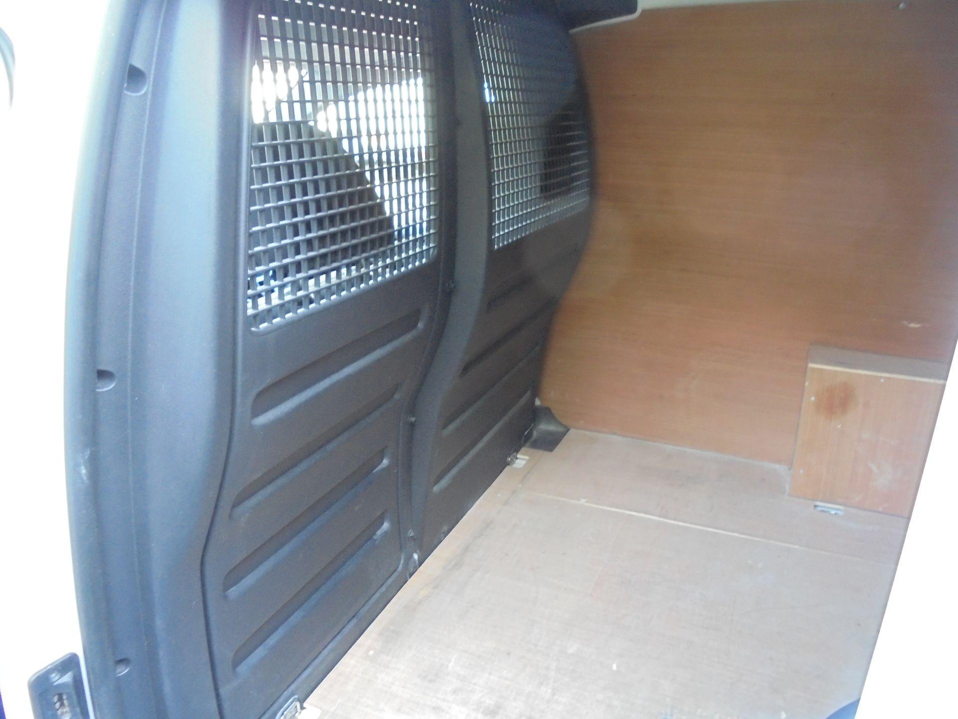 2017 Volkswagen Caddy 2.0 Tdi Bluemotion Tech 102Ps Startline Van (GJ67AOO) Image 25