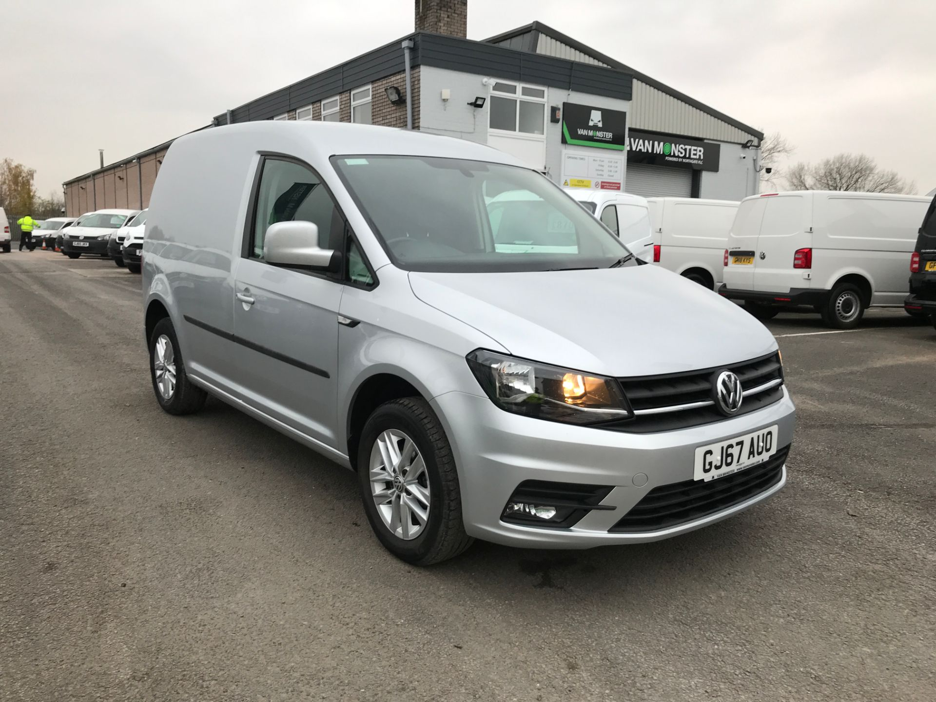 2017 Volkswagen Caddy 2.0TDI BLUEMOTION TECH 102PS HIGHLINE EURO 6 (GJ67AUO)