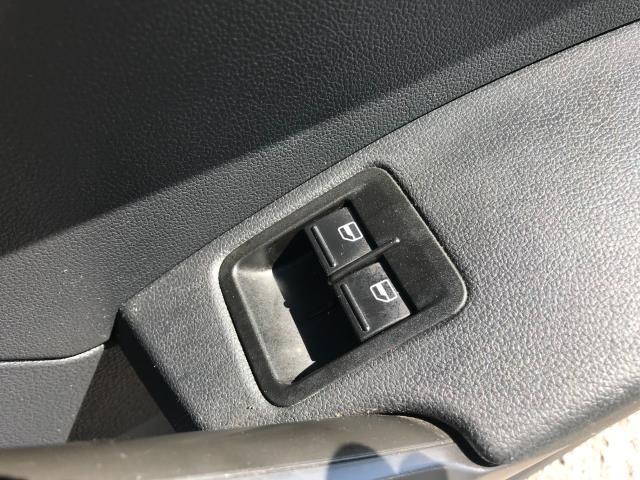 2017 Volkswagen Caddy  2.0 102PS BLUEMOTION TECH 102 STARTLINE EURO 6 (GJ67CPY) Image 23