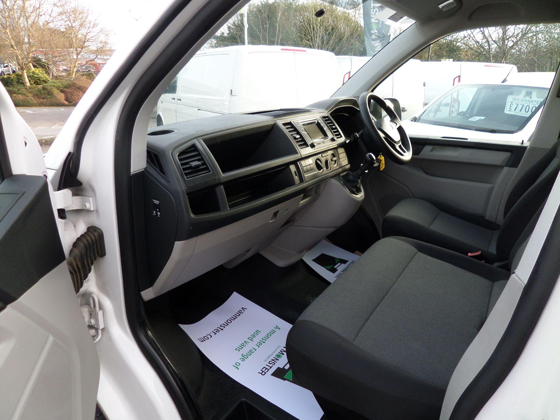 2017 Volkswagen Transporter 2.0 Tdi Bmt 102 Startline Van Euro 6 (GJ67CVG) Image 8