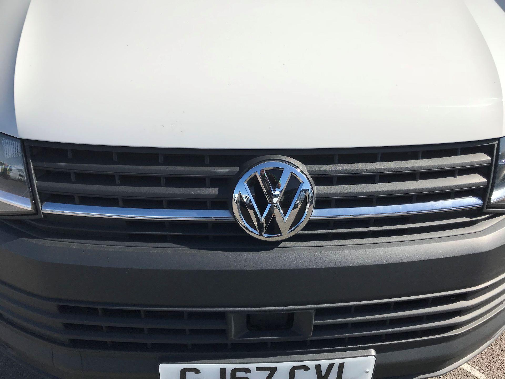 2017 Volkswagen Transporter  2.0  102PST28 S-LINE TDI BMT EURO 6  (GJ67CVL) Image 12