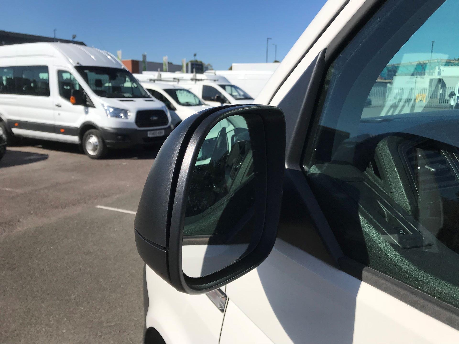2017 Volkswagen Transporter  2.0  102PST28 S-LINE TDI BMT EURO 6  (GJ67CVL) Image 11