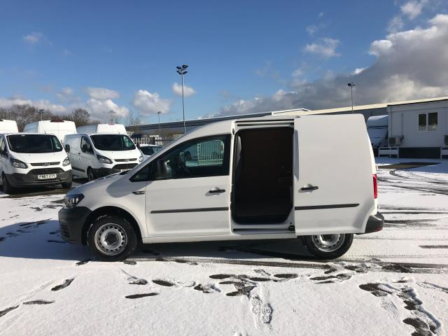 2017 Volkswagen Caddy  2.0 102PS BLUEMOTION TECH 102 STARTLINE EURO 6 (GJ67FNP) Image 5