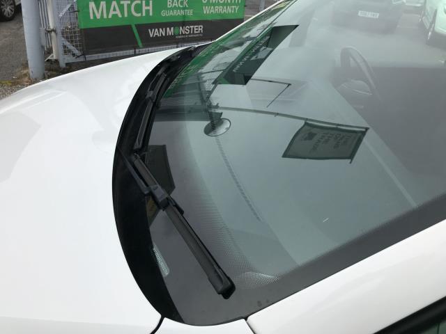 2017 Volkswagen Caddy 2.0TDI BLUEMOTION TECH 102PS STARTLINE EURO 6 (GJ67FNY) Image 33