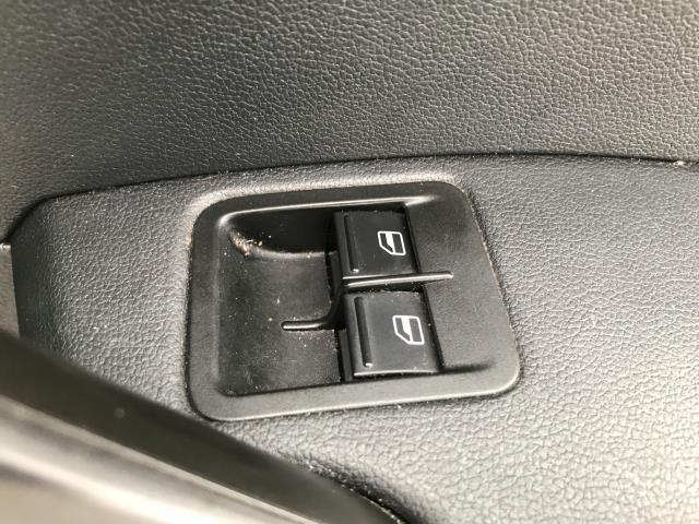 2017 Volkswagen Caddy 2.0TDI BLUEMOTION TECH 102PS STARTLINE EURO 6 (GJ67FNY) Image 16