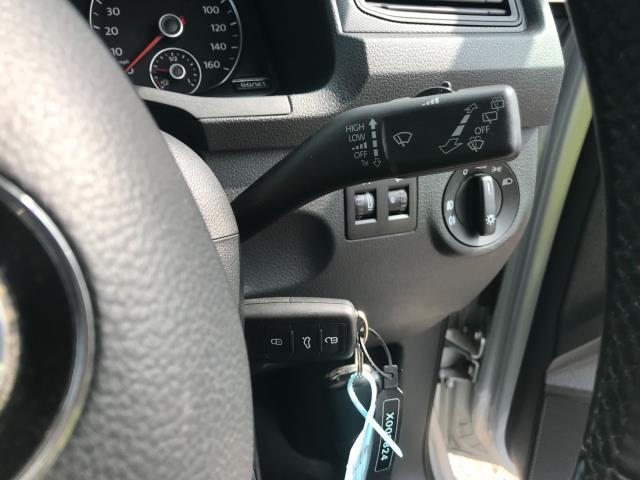 2017 Volkswagen Caddy 2.0 Tdi Bluemotion Tech 102Ps Highline Van Euro 6 (GJ67JYN) Image 32
