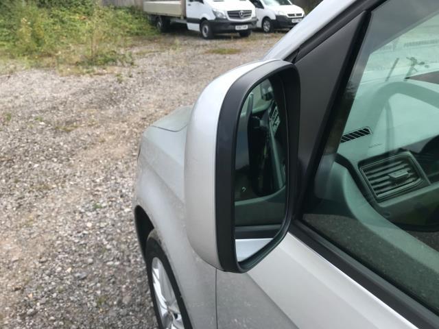 2017 Volkswagen Caddy 2.0 Tdi Bluemotion Tech 102Ps Highline Van Euro 6 (GJ67JYN) Image 38