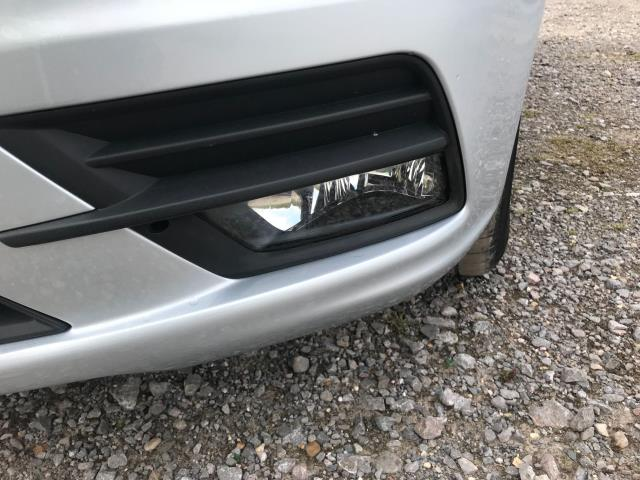 2017 Volkswagen Caddy 2.0 Tdi Bluemotion Tech 102Ps Highline Van Euro 6 (GJ67JYN) Image 42