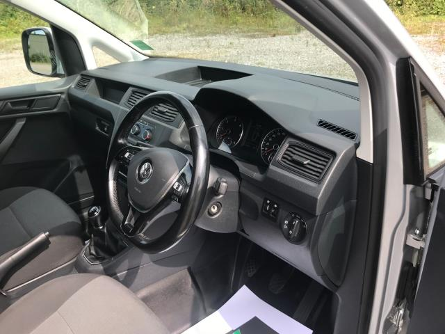 2017 Volkswagen Caddy 2.0 Tdi Bluemotion Tech 102Ps Highline Van Euro 6 (GJ67JYN) Image 21