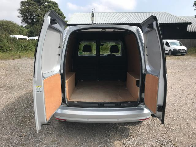 2017 Volkswagen Caddy 2.0 Tdi Bluemotion Tech 102Ps Highline Van Euro 6 (GJ67JYN) Image 11
