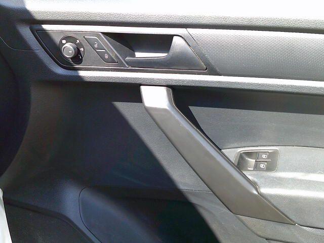 2017 Volkswagen Caddy Maxi 2.0 Tdi Bluemotion Tech 102Ps Startline Van (GJ67JYR) Image 9
