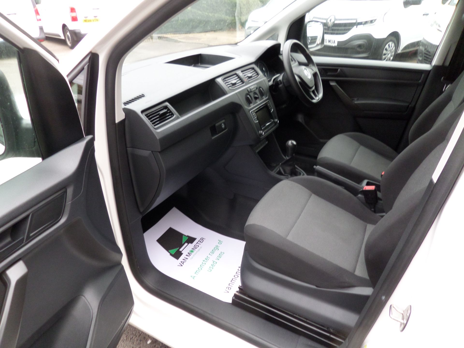 2017 Volkswagen Caddy 2.0 Tdi Bluemotion Tech 102Ps Startline Van Euro 6 (GJ67UEN) Image 8