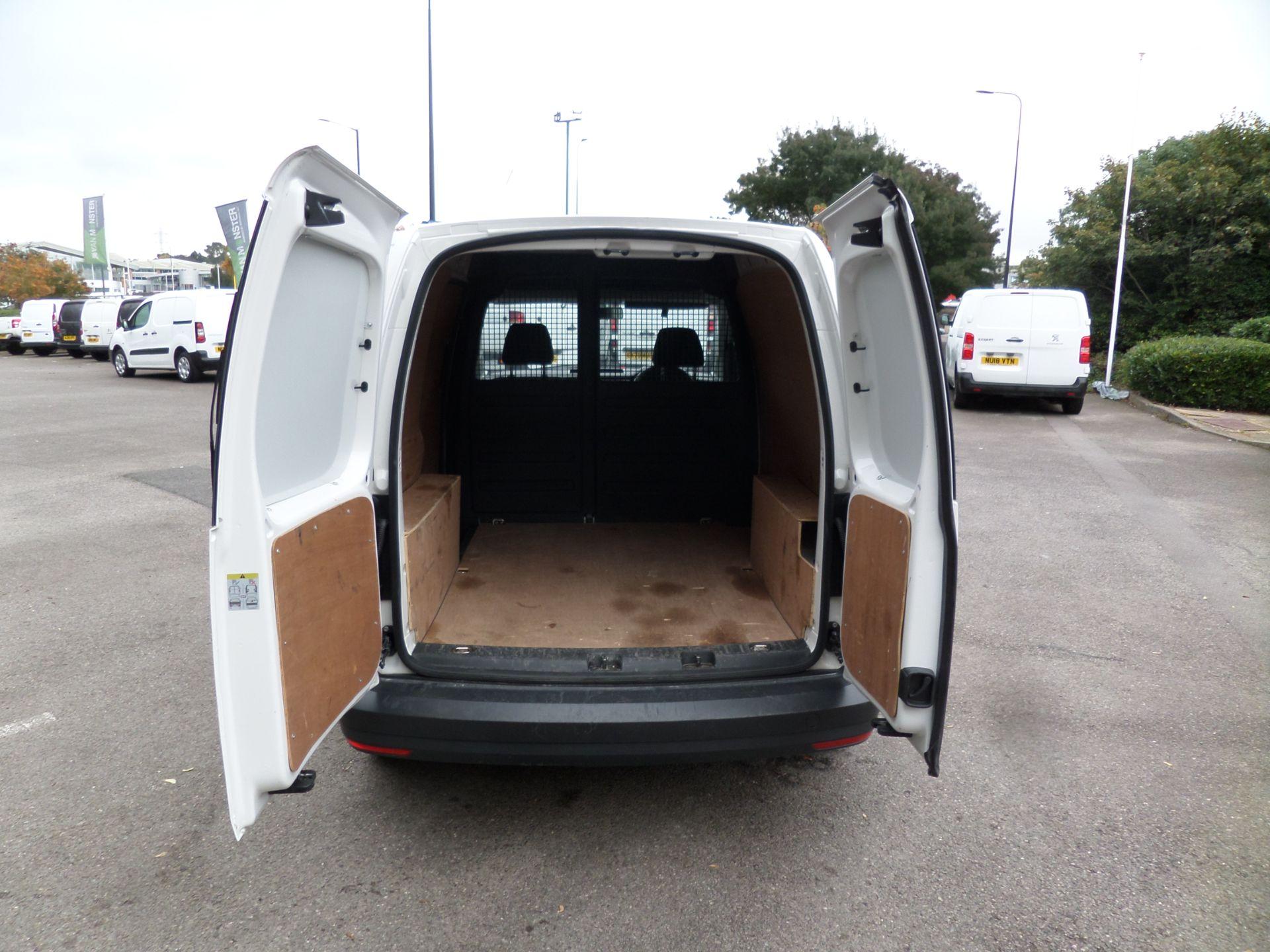 2017 Volkswagen Caddy 2.0 Tdi Bluemotion Tech 102Ps Startline Van Euro 6 (GJ67UEN) Image 4