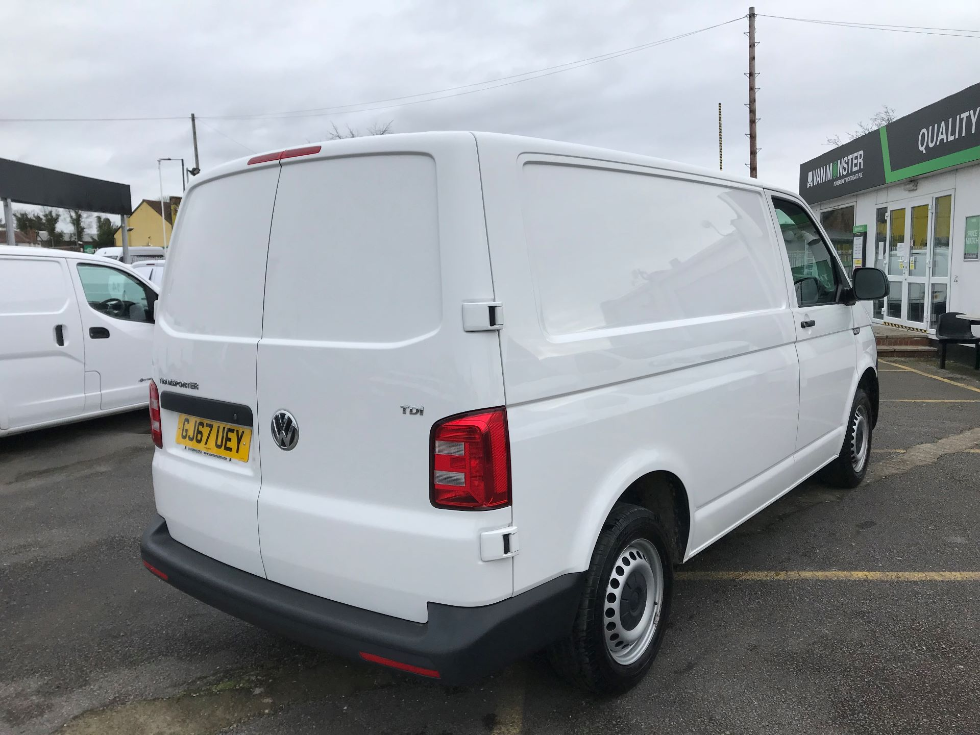 2017 Volkswagen Transporter  2.0  102PS T28 S-LINE TDI BMT EURO 6  (GJ67UEY) Image 4