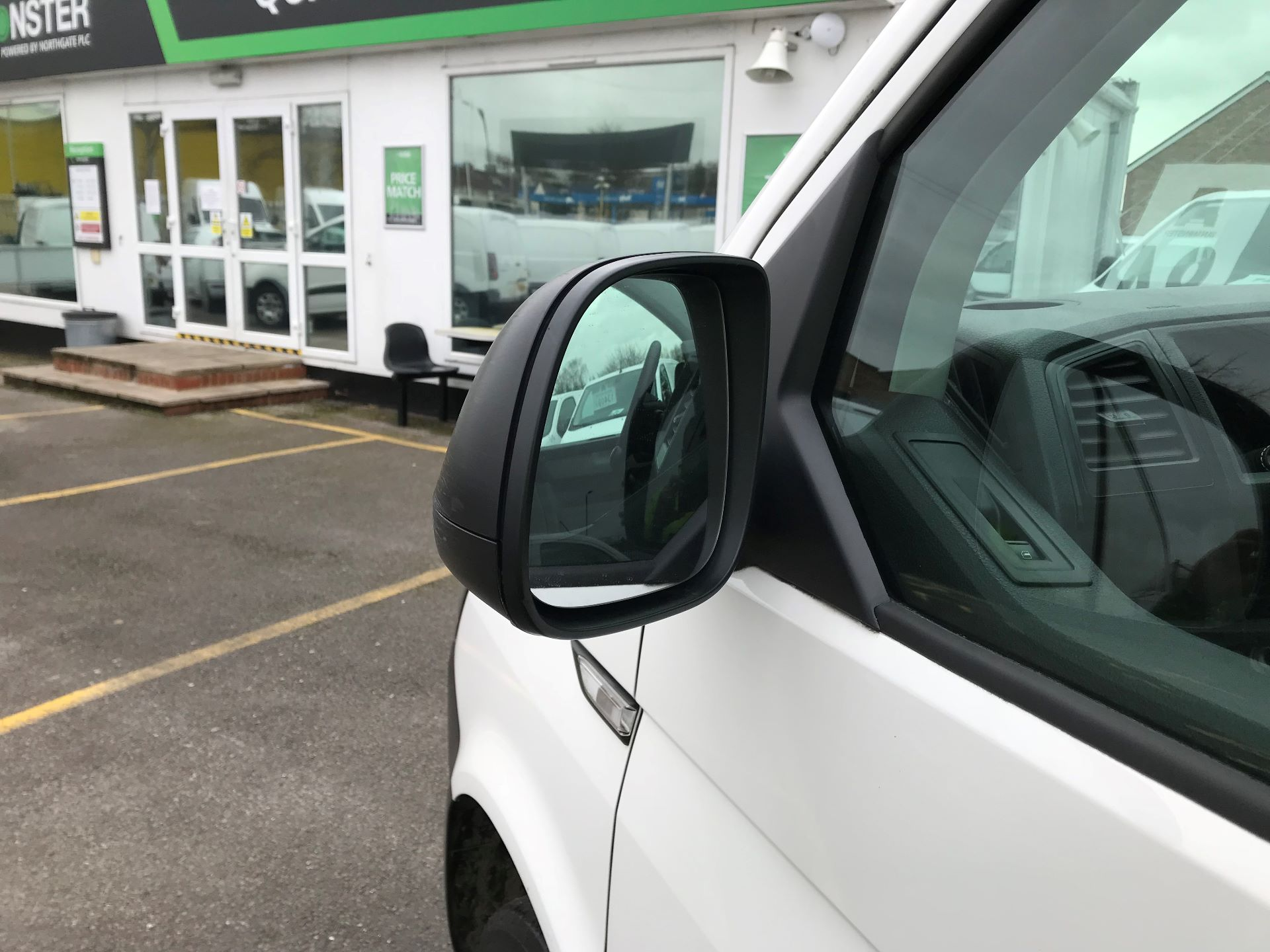 2017 Volkswagen Transporter  2.0  102PS T28 S-LINE TDI BMT EURO 6  (GJ67UEY) Image 12