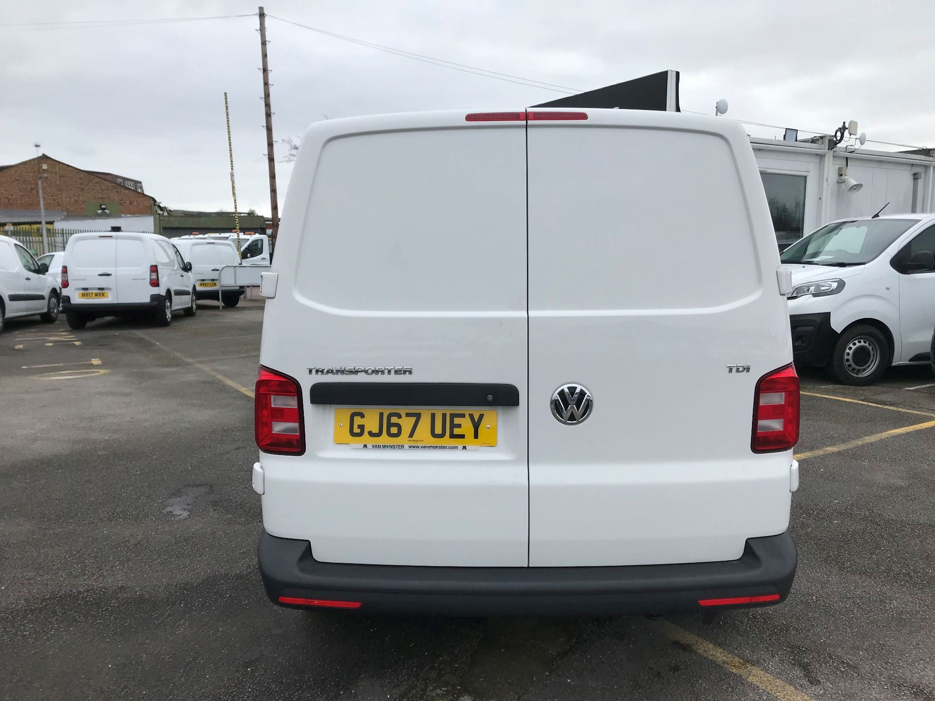 2017 Volkswagen Transporter  2.0  102PS T28 S-LINE TDI BMT EURO 6  (GJ67UEY) Image 6