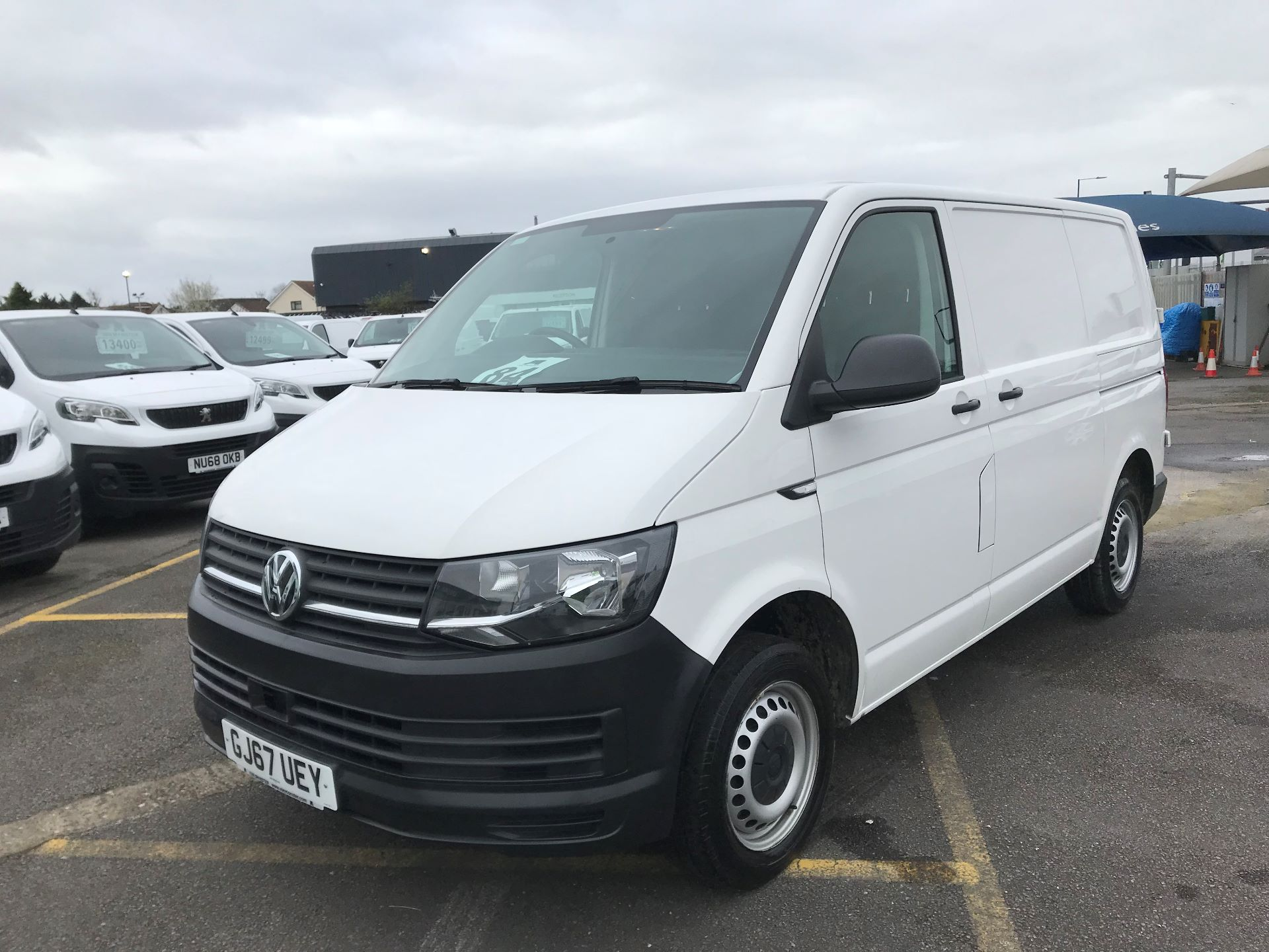 2017 Volkswagen Transporter  2.0  102PS T28 S-LINE TDI BMT EURO 6  (GJ67UEY) Image 2