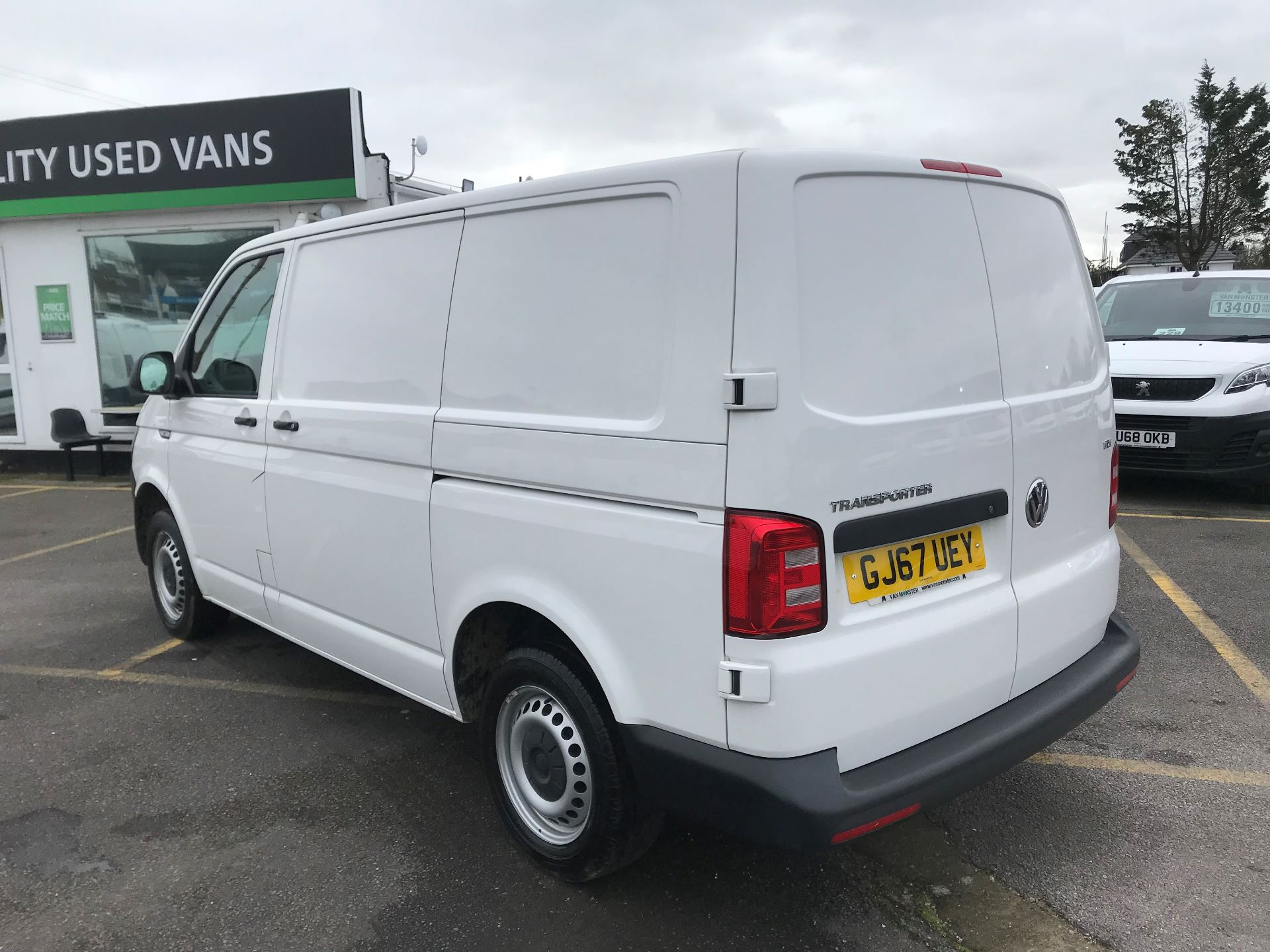 2017 Volkswagen Transporter  2.0  102PS T28 S-LINE TDI BMT EURO 6  (GJ67UEY) Image 5