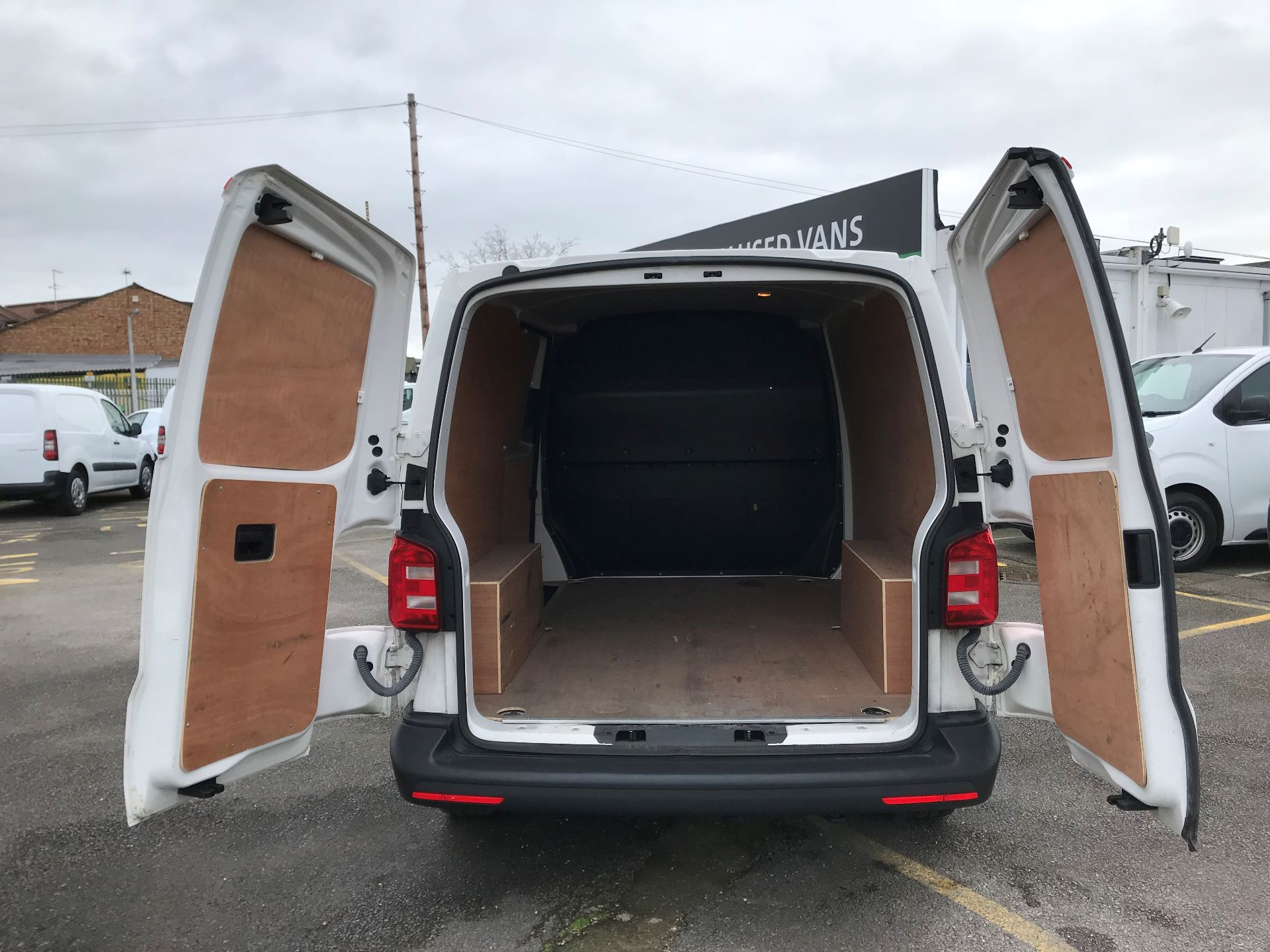 2017 Volkswagen Transporter  2.0  102PS T28 S-LINE TDI BMT EURO 6  (GJ67UEY) Image 7