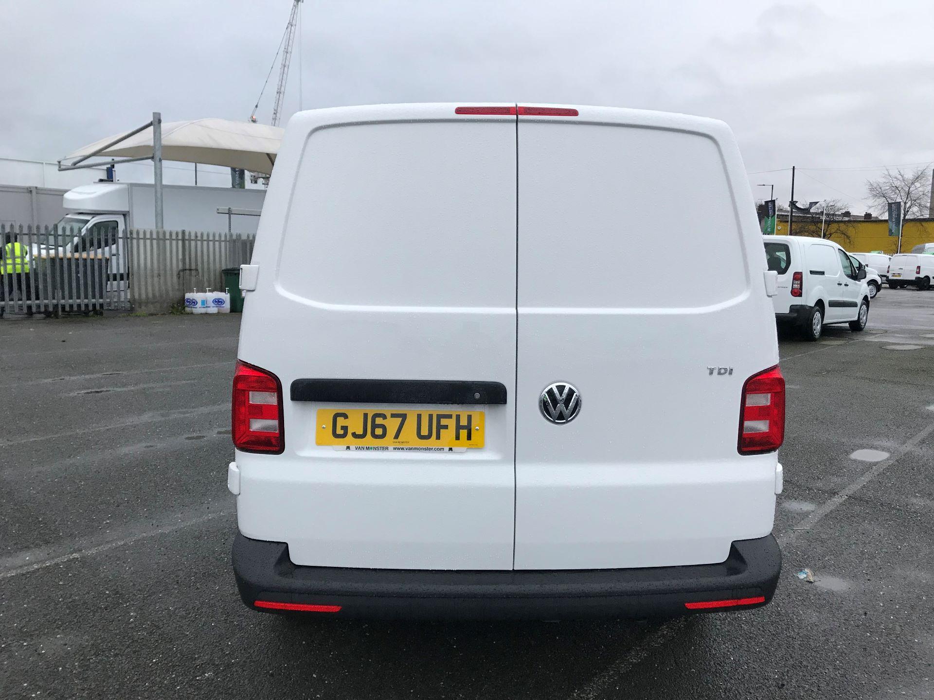 2017 Volkswagen Transporter  2.0  102PS T28 S-LINE TDI BMT EURO 6  (GJ67UFH) Image 6