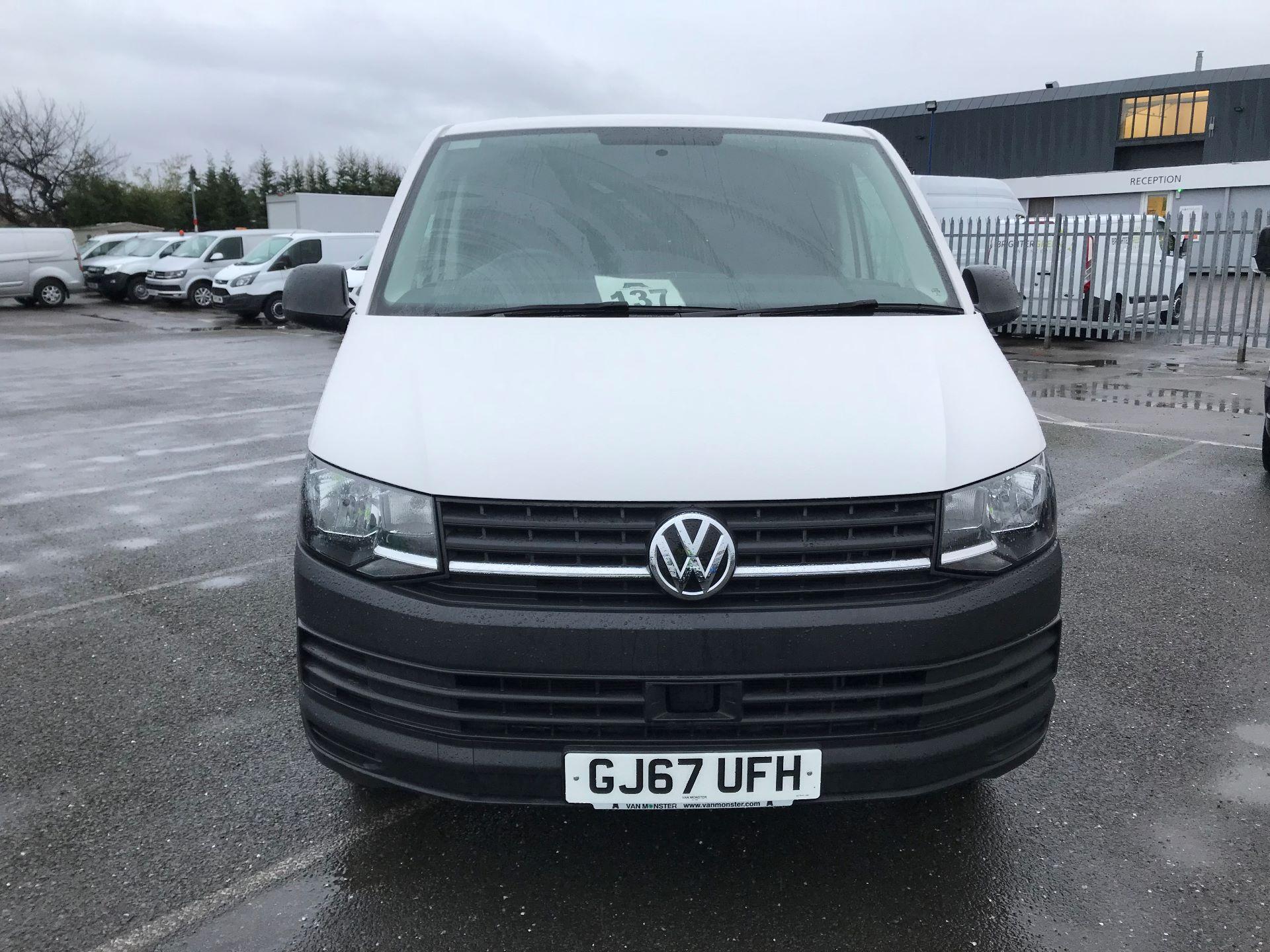 2017 Volkswagen Transporter  2.0  102PS T28 S-LINE TDI BMT EURO 6  (GJ67UFH) Image 3