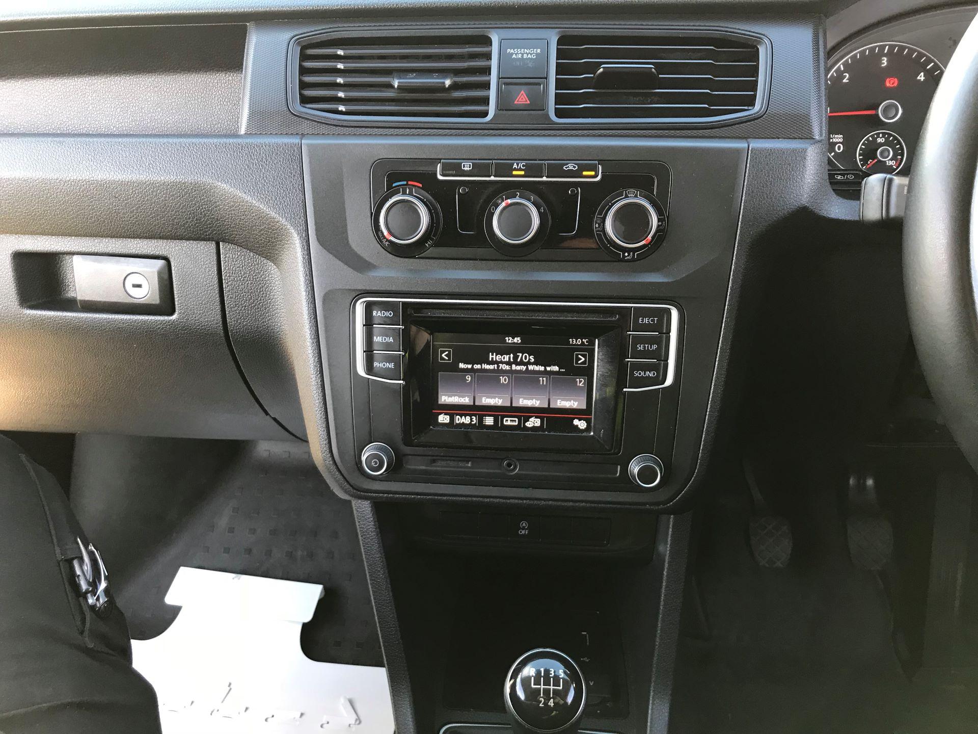 2017 Volkswagen Caddy 2.0 Tdi Bluemotion Tech 102Ps Startline Van (GJ67UFN) Image 14