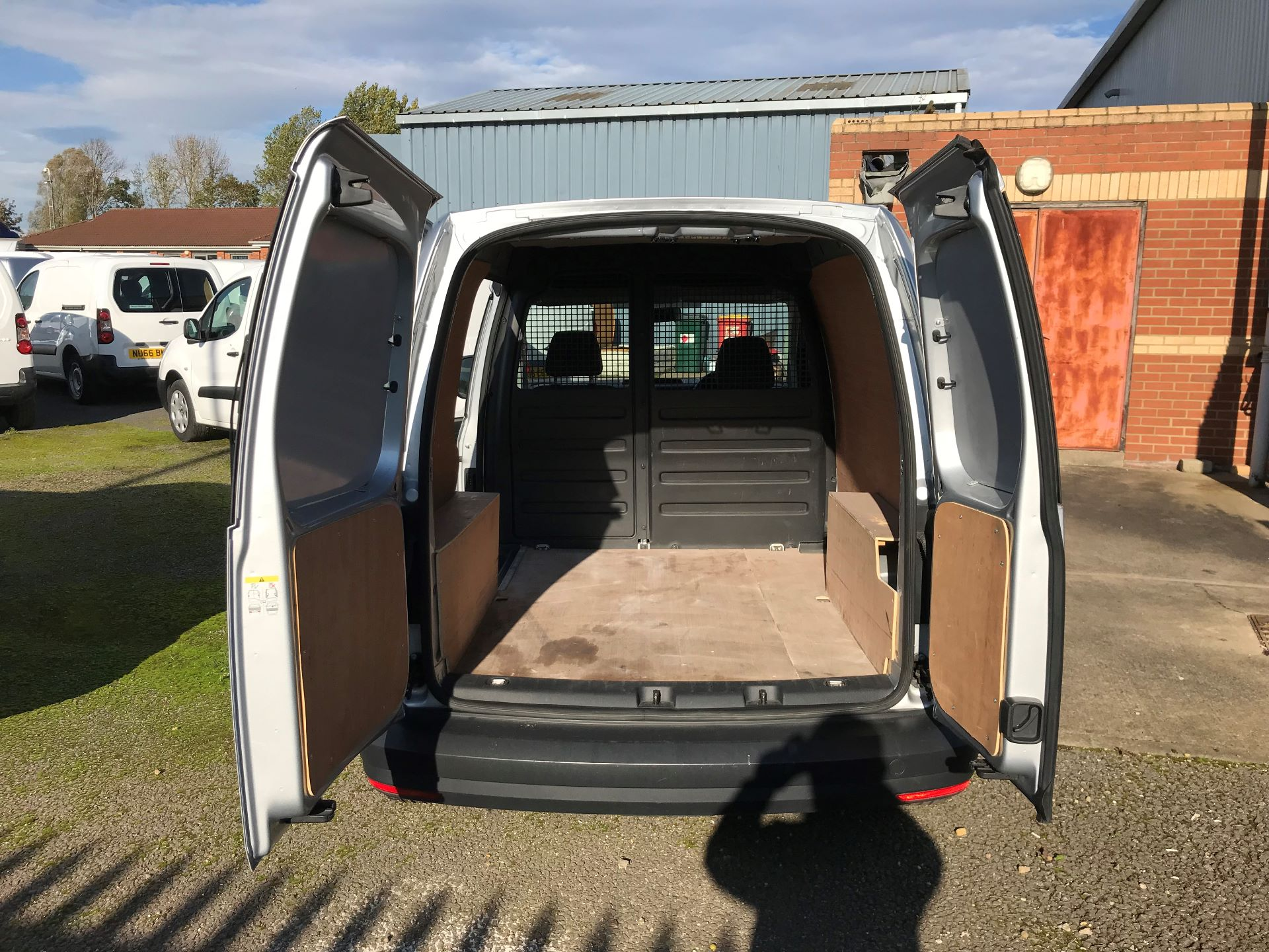 2017 Volkswagen Caddy 2.0 Tdi Bluemotion Tech 102Ps Startline Van (GJ67UFN) Image 15