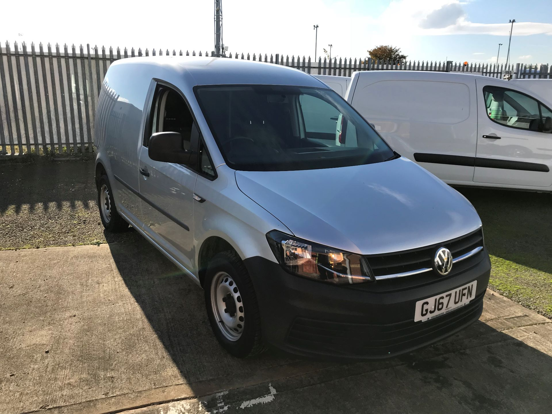 2017 Volkswagen Caddy 2.0 Tdi Bluemotion Tech 102Ps Startline Van (GJ67UFN)