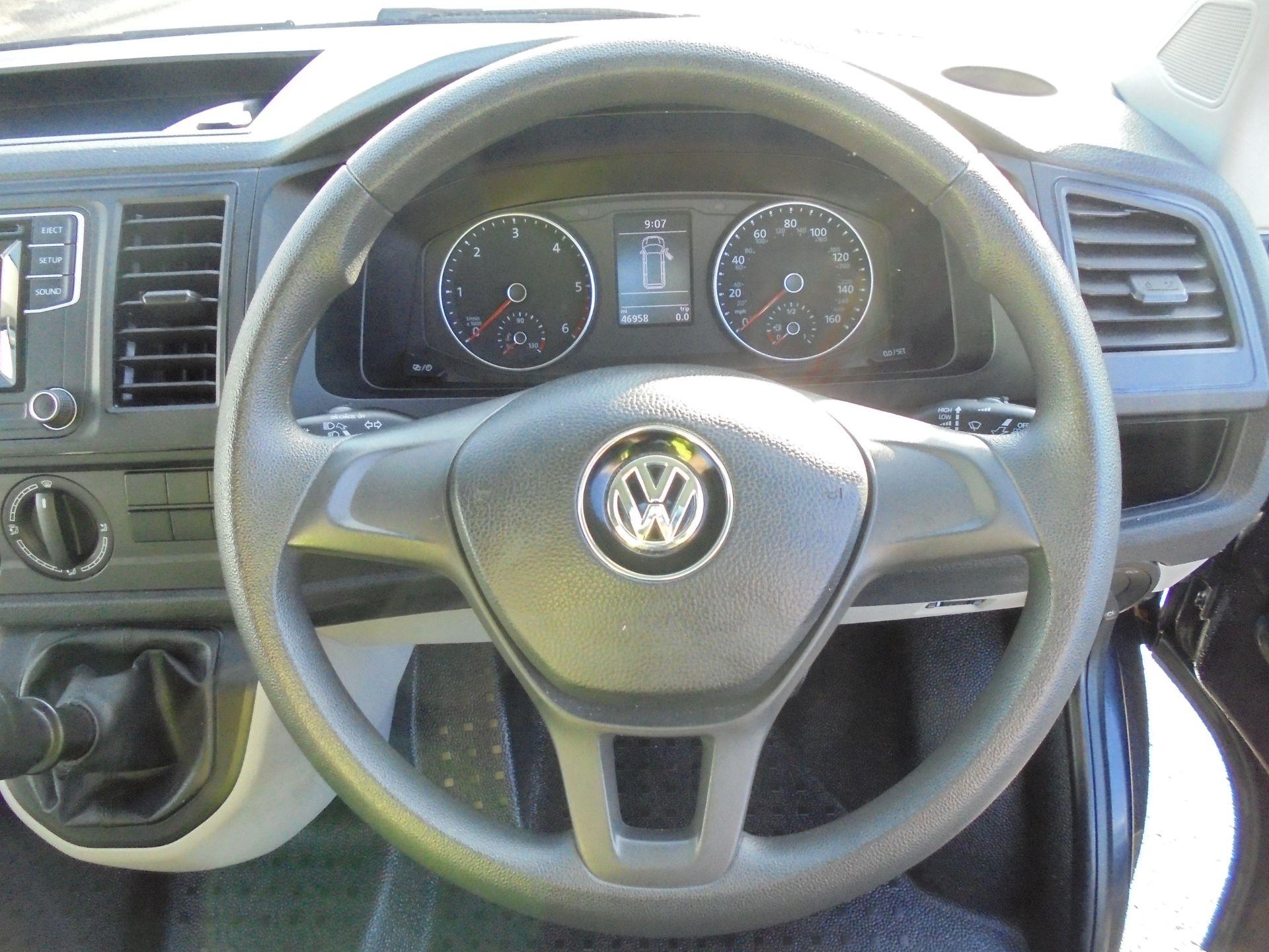 2017 Volkswagen Transporter 2.0 Tdi Bmt 102 Trendline Van Euro 6 (GJ67XMV) Image 12