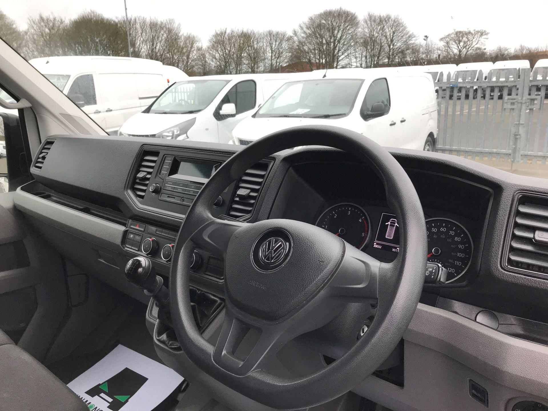 2018 Volkswagen Crafter 2.0 TDI 140PS STARTLINE LWB HIGH ROOF VAN EURO 6 (GJ68ZRR) Image 16