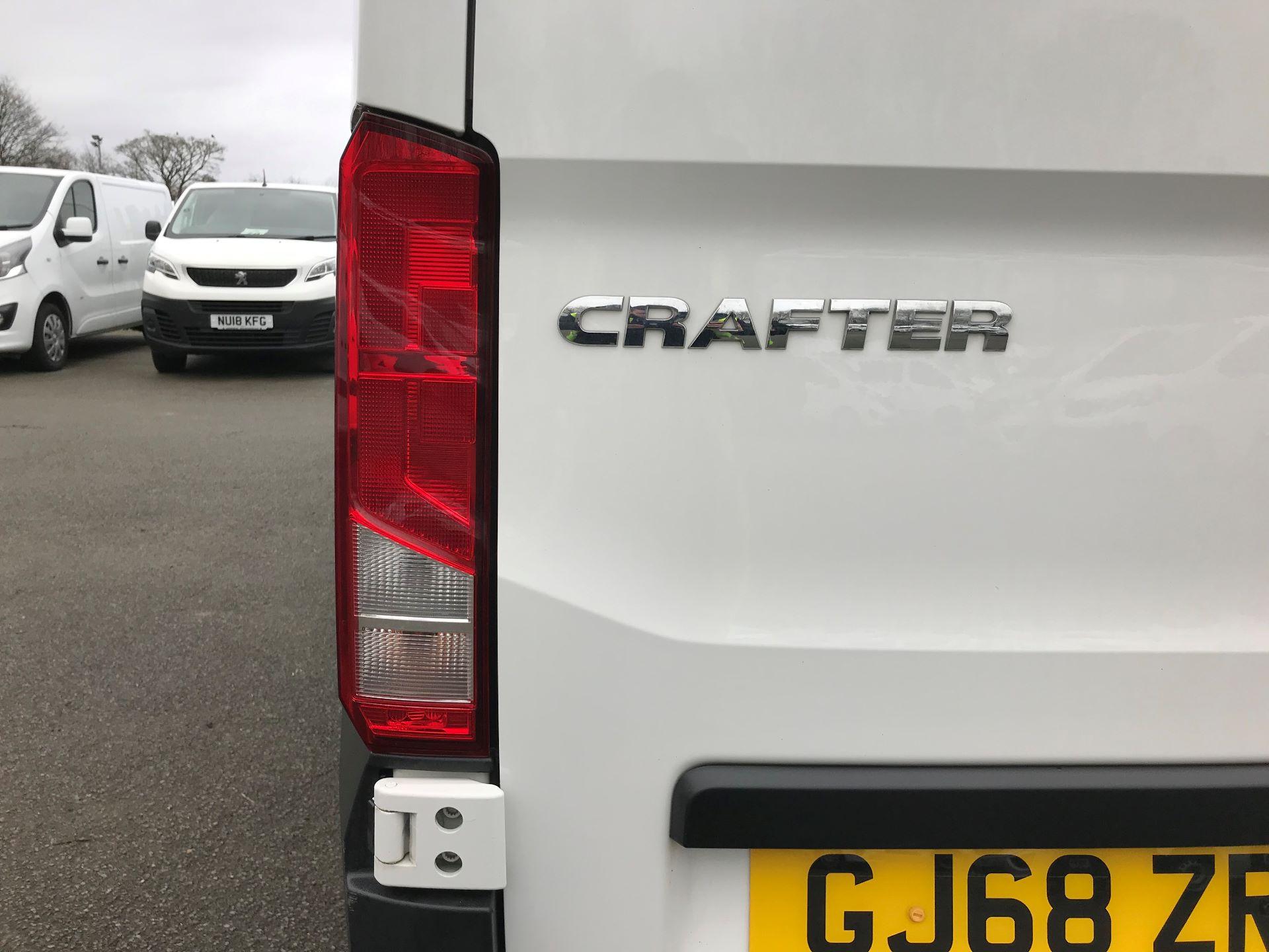 2018 Volkswagen Crafter 2.0 TDI 140PS STARTLINE LWB HIGH ROOF VAN EURO 6 (GJ68ZRR) Image 13