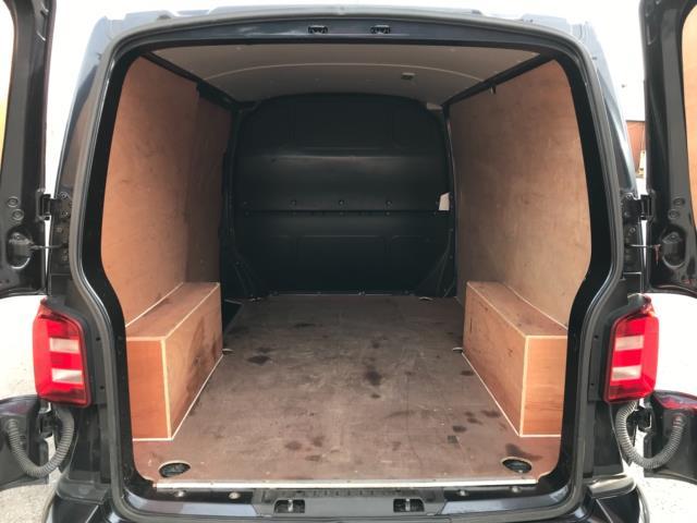 2019 Volkswagen Transporter 2.0 Tdi Bmt 150 Highline Van Euro 6 (GJ69BBZ) Image 34