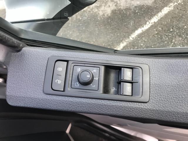 2019 Volkswagen Transporter 2.0 Tdi Bmt 150 Highline Van Dsg Euro 6 (GJ69FZM) Image 20